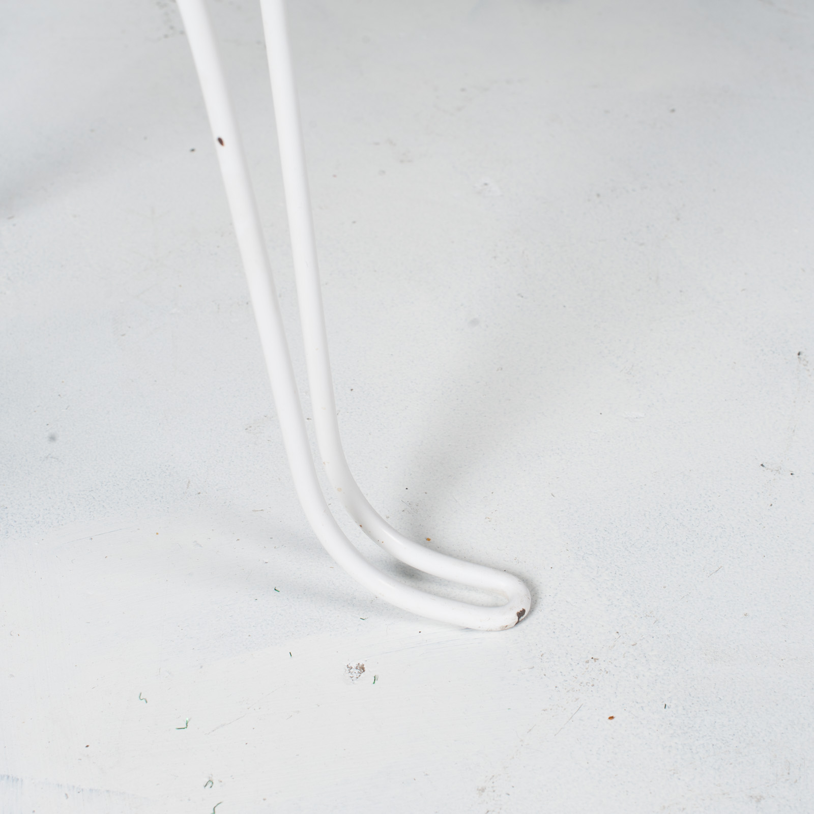 White Metal Wire Stool 1950s French 05