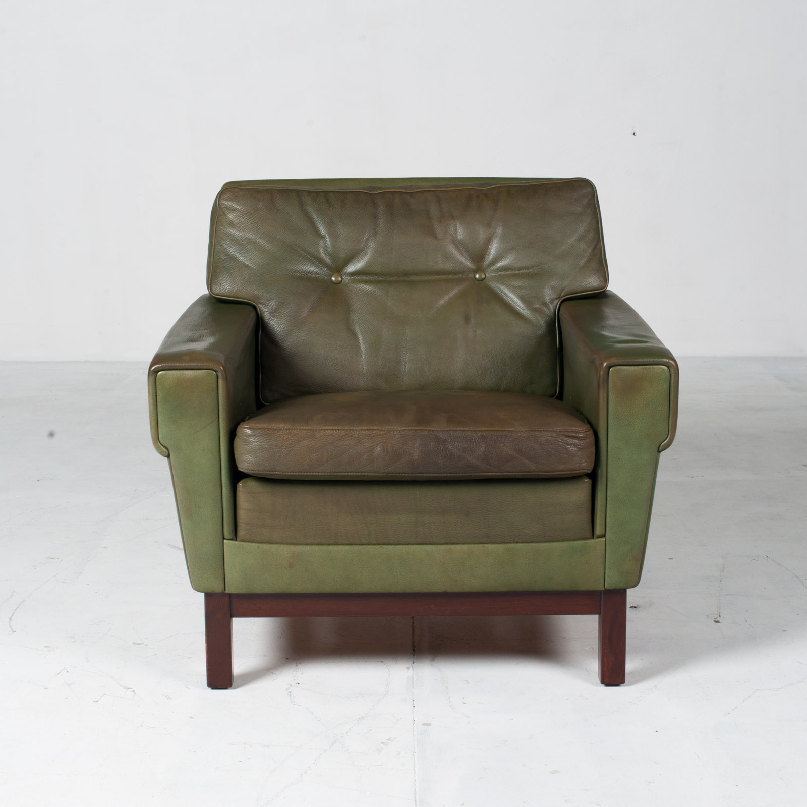 2 Armchairs In Olive Leather 1960s Denmark 001