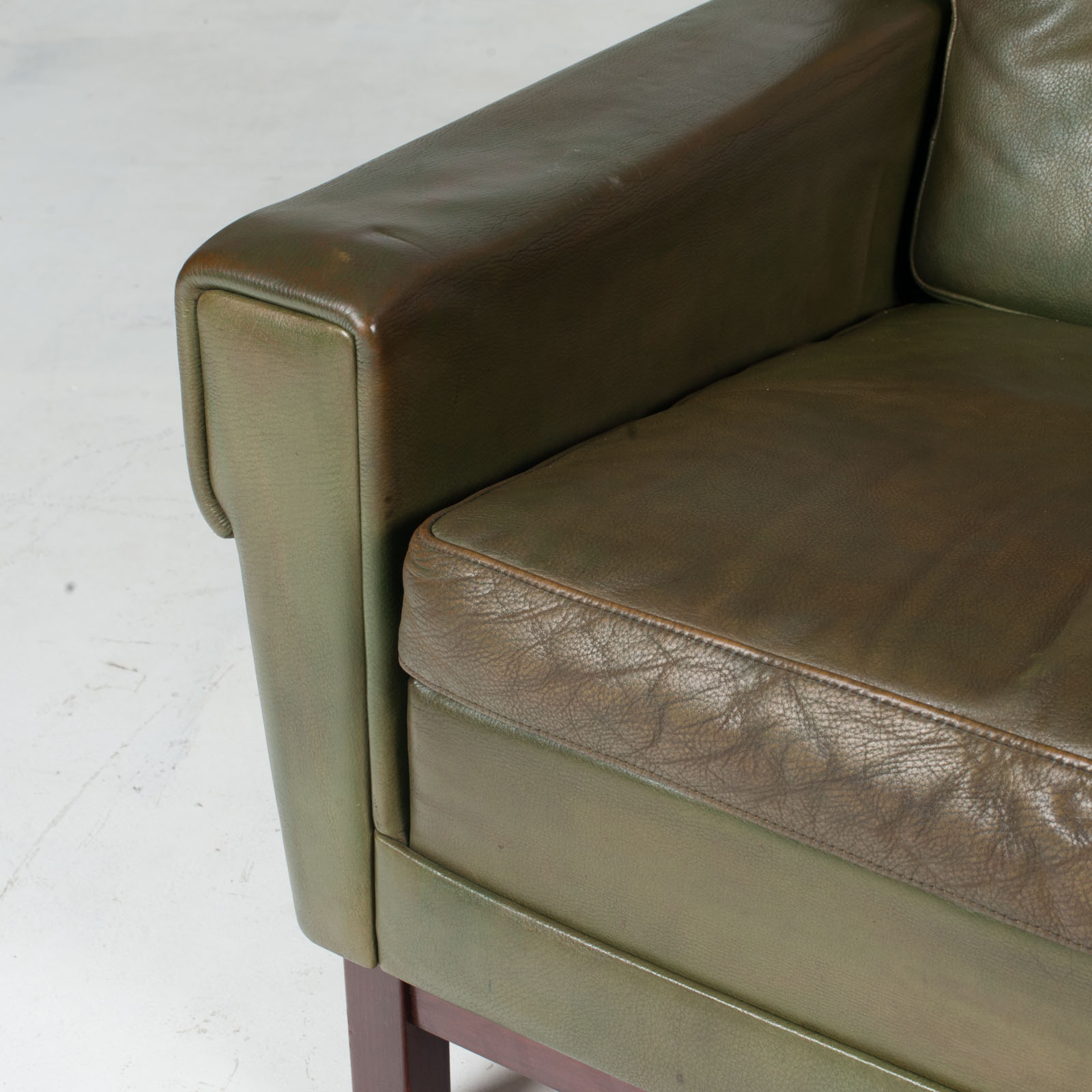 2 Armchairs In Olive Leather 1960s Denmark 5