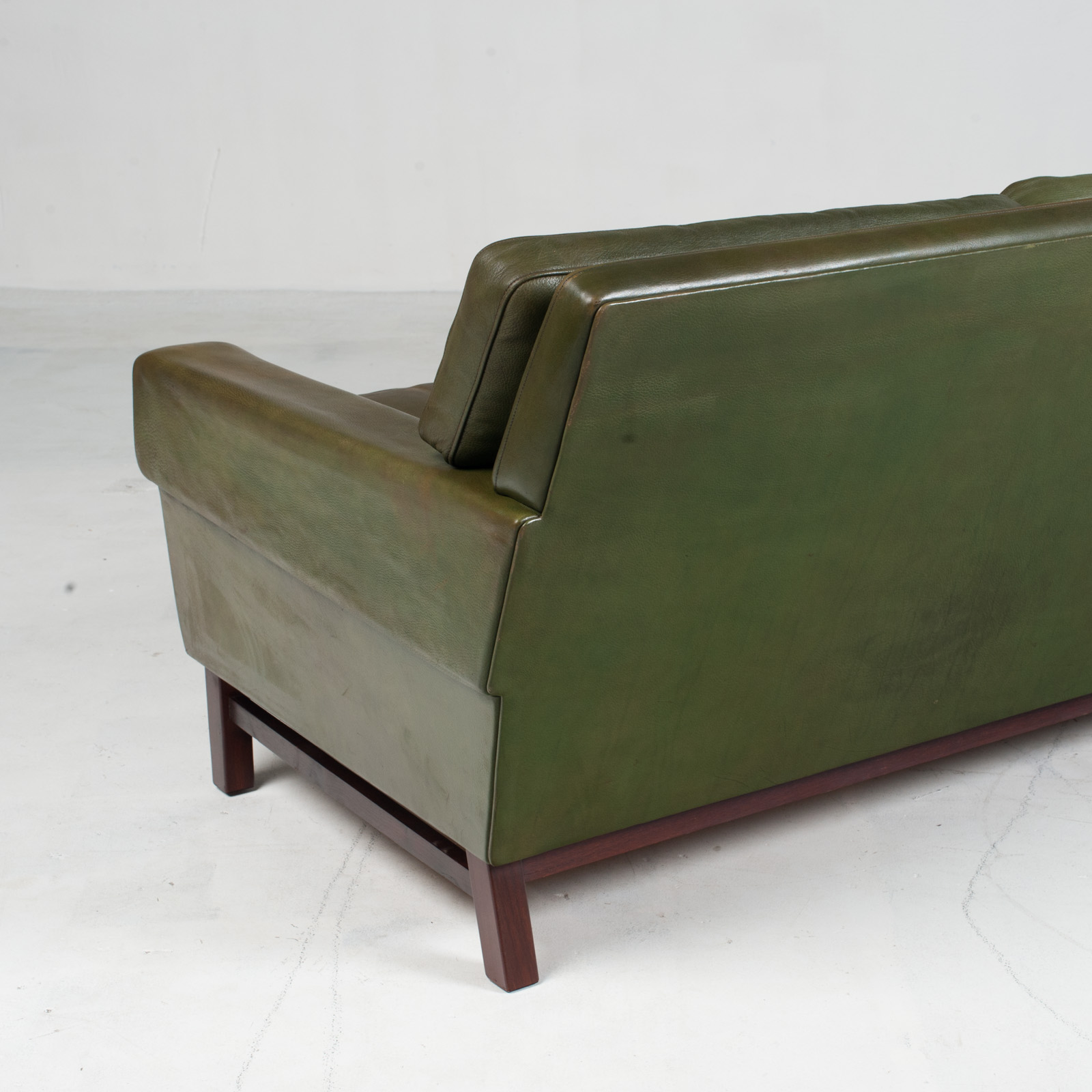 4 Seat Sofa In Olive Leather 1960s Denmark 013