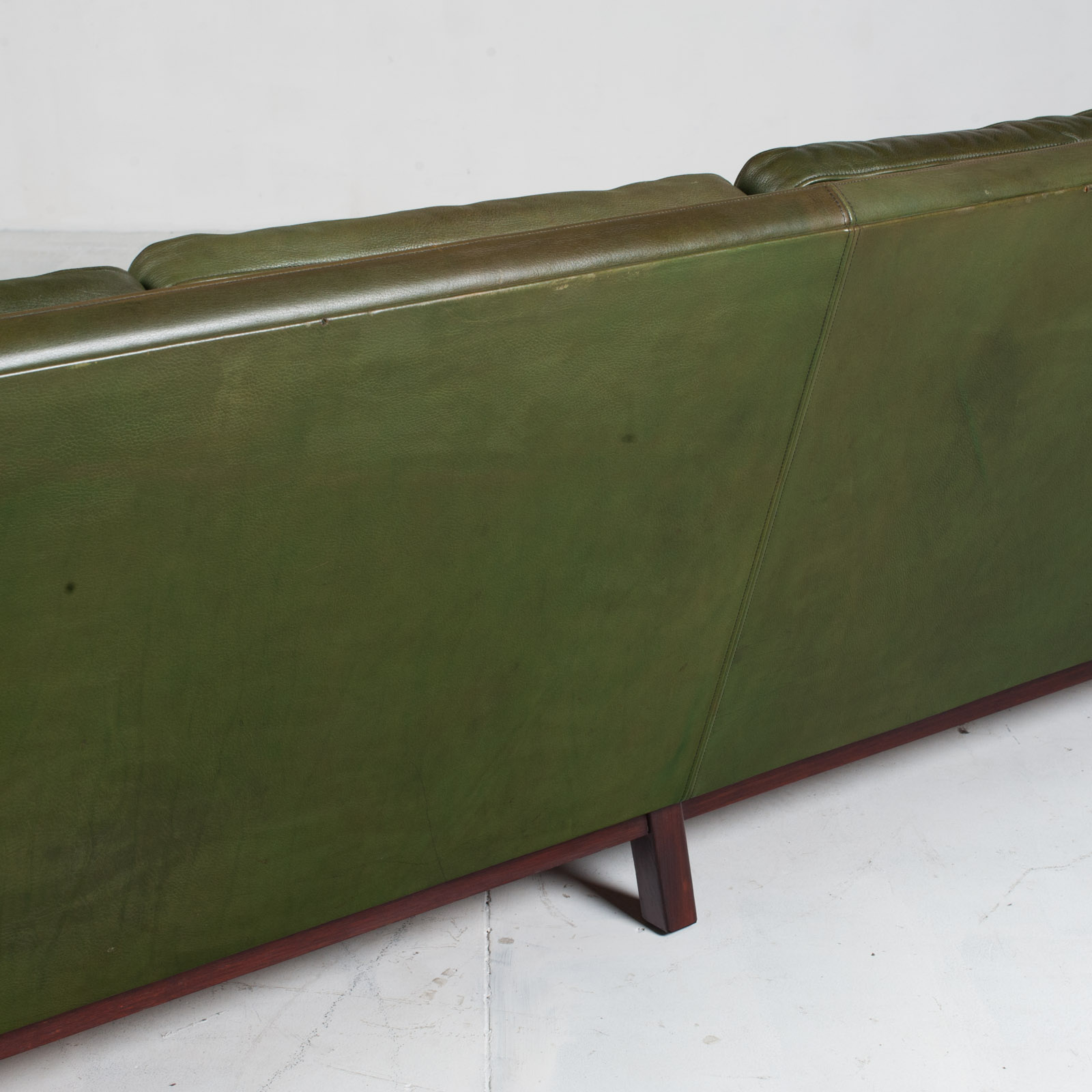 4 Seat Sofa In Olive Leather 1960s Denmark 014