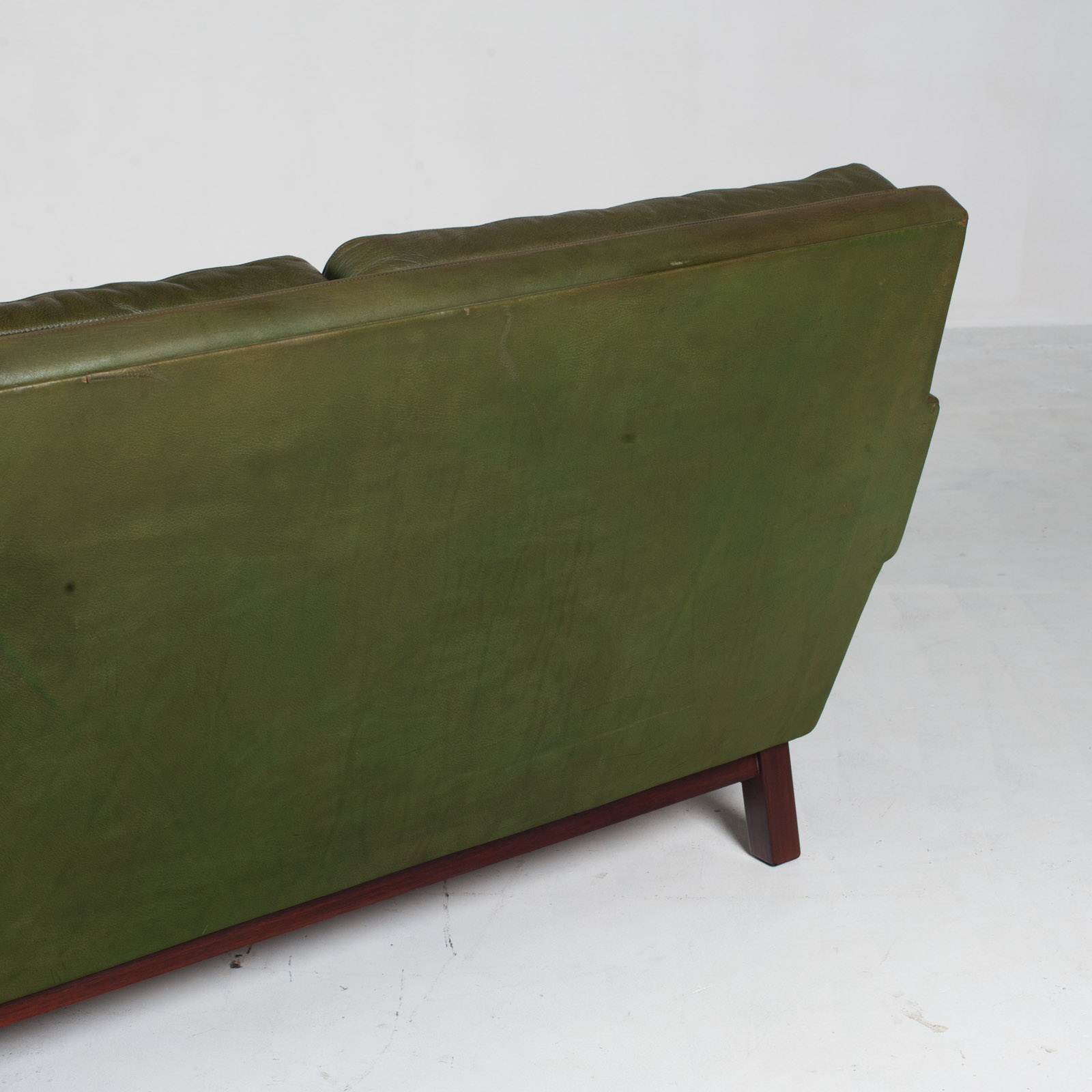 4 Seat Sofa In Olive Leather 1960s Denmark 015