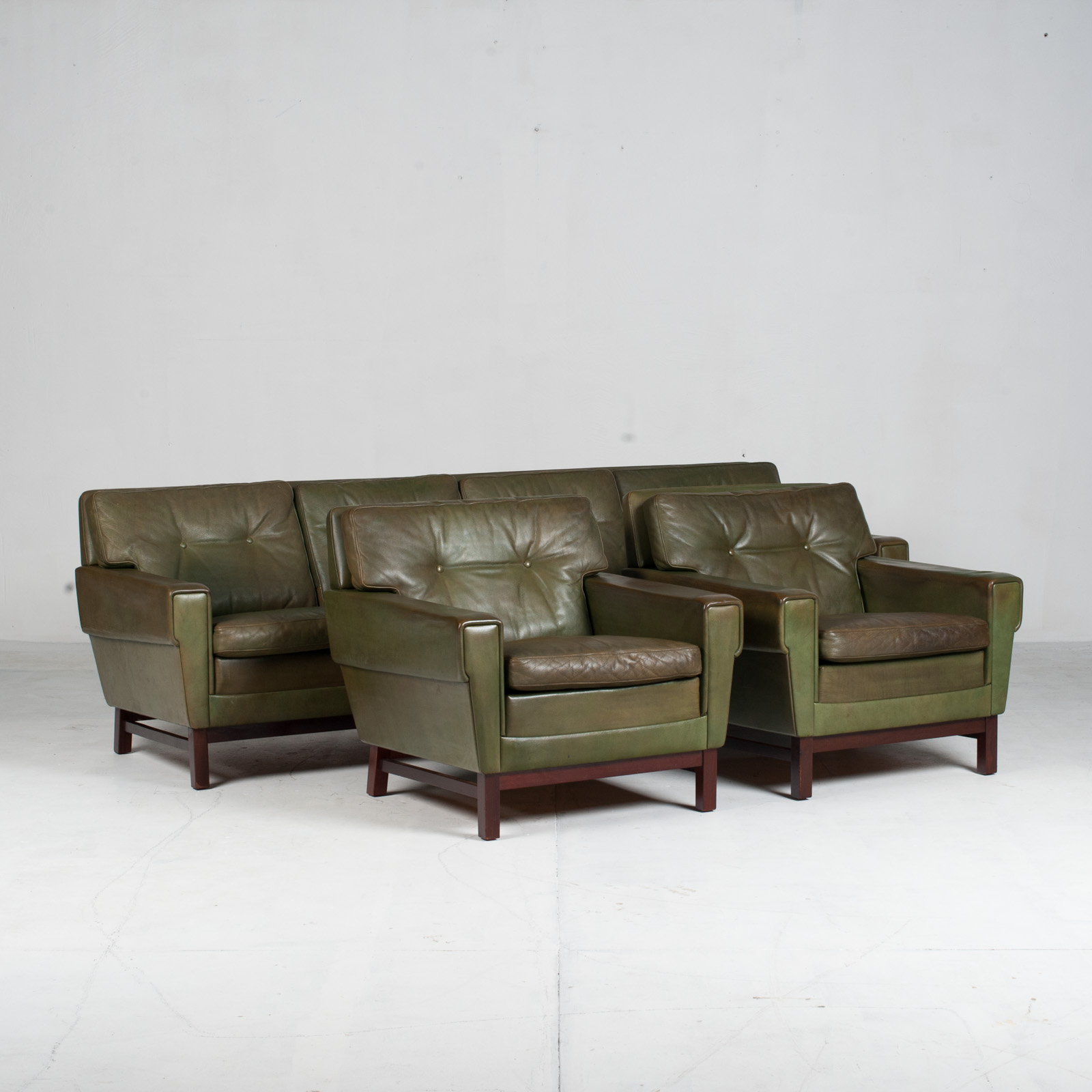 4 Seat Sofa In Olive Leather 1960s Denmark 017