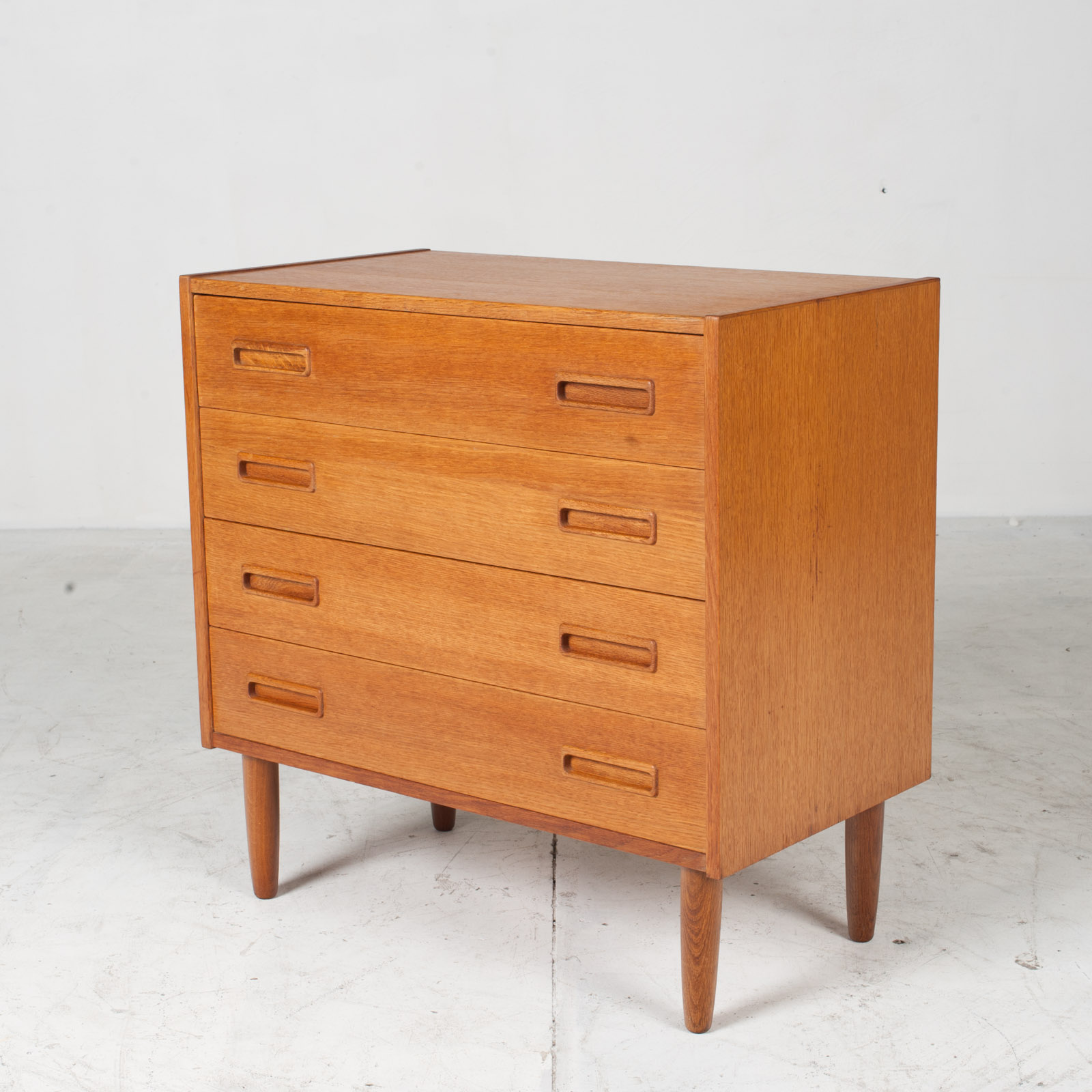 Compact Chest With Four Drawers In Oak 1960s Denmark 02