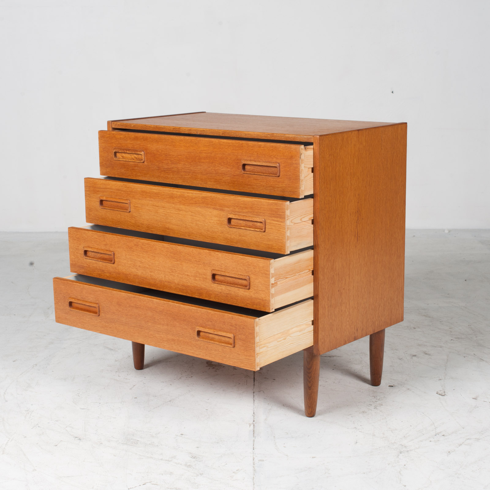 Compact Chest With Four Drawers In Oak 1960s Denmark 03