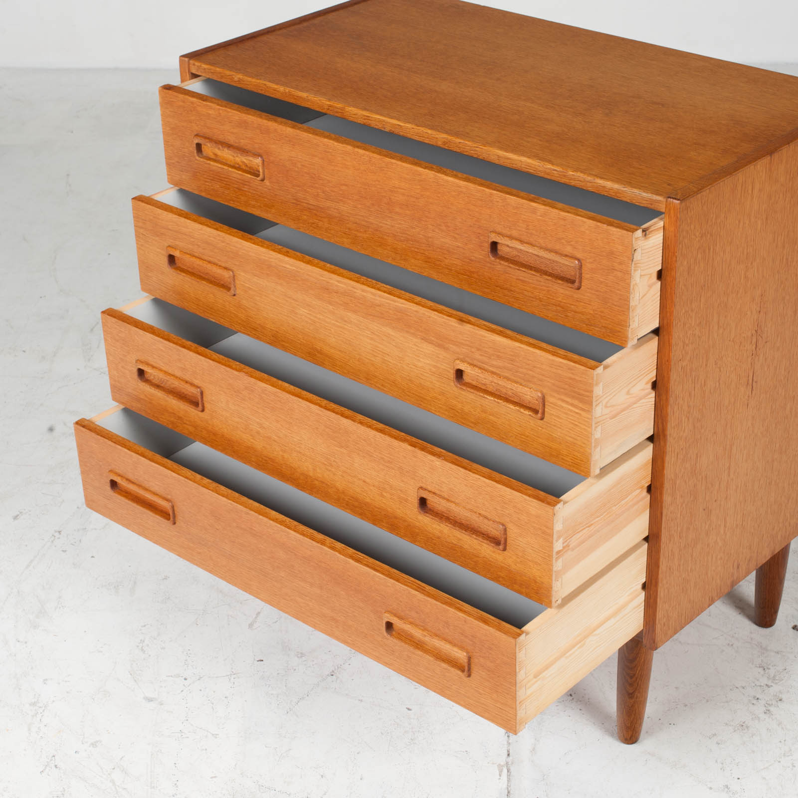 Compact Chest With Four Drawers In Oak 1960s Denmark 04