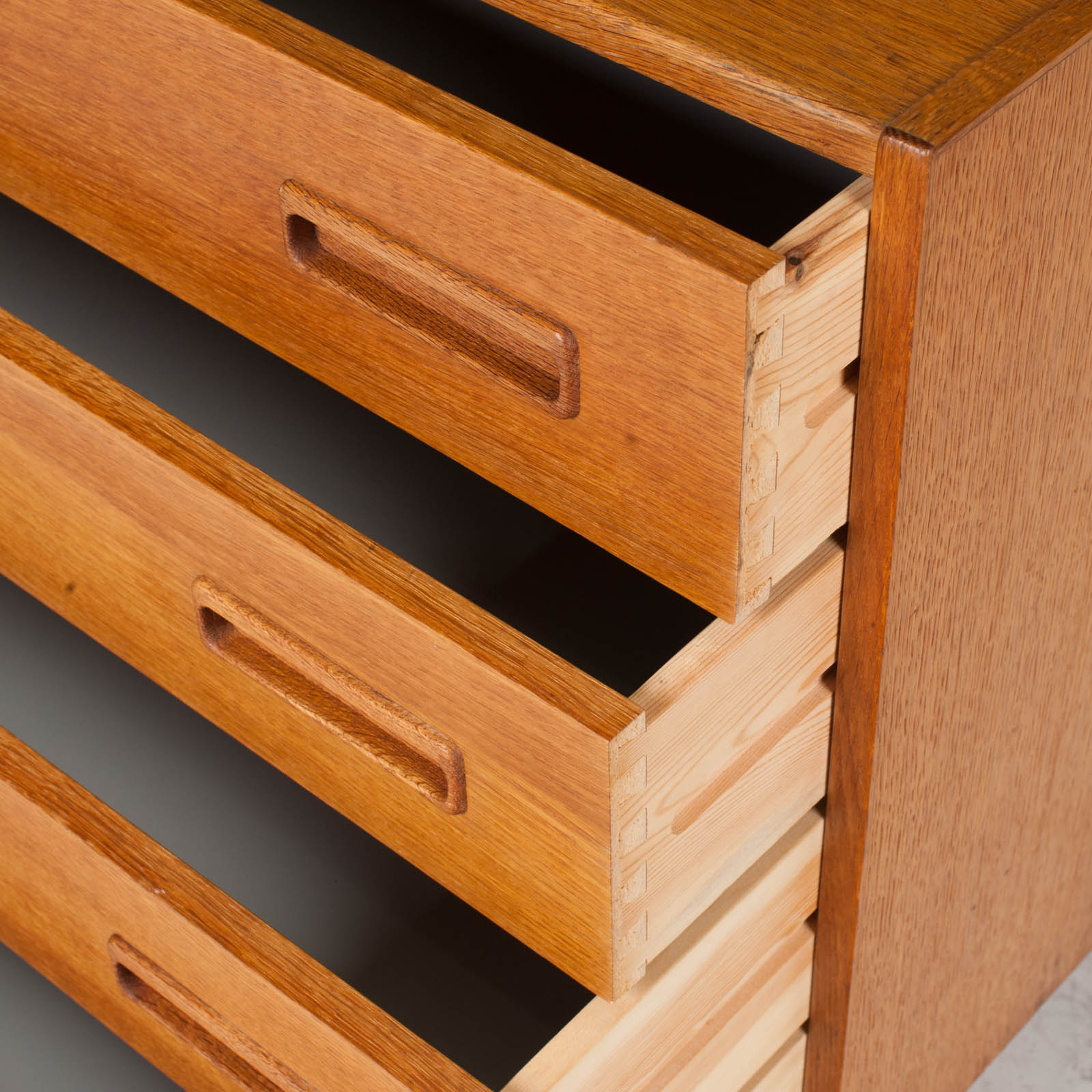 Compact Chest With Four Drawers In Oak 1960s Denmark 05