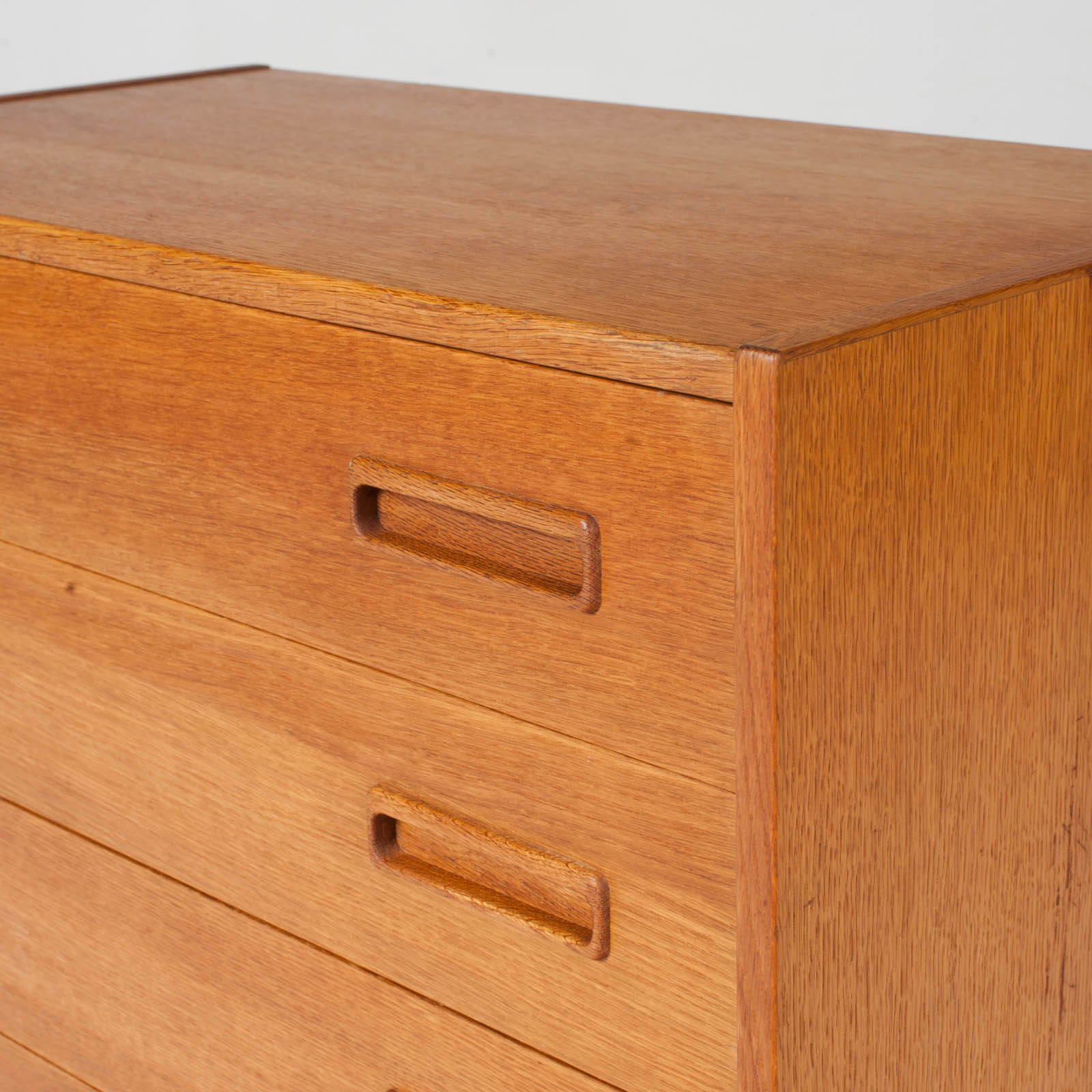 Compact Chest With Four Drawers In Oak 1960s Denmark 08