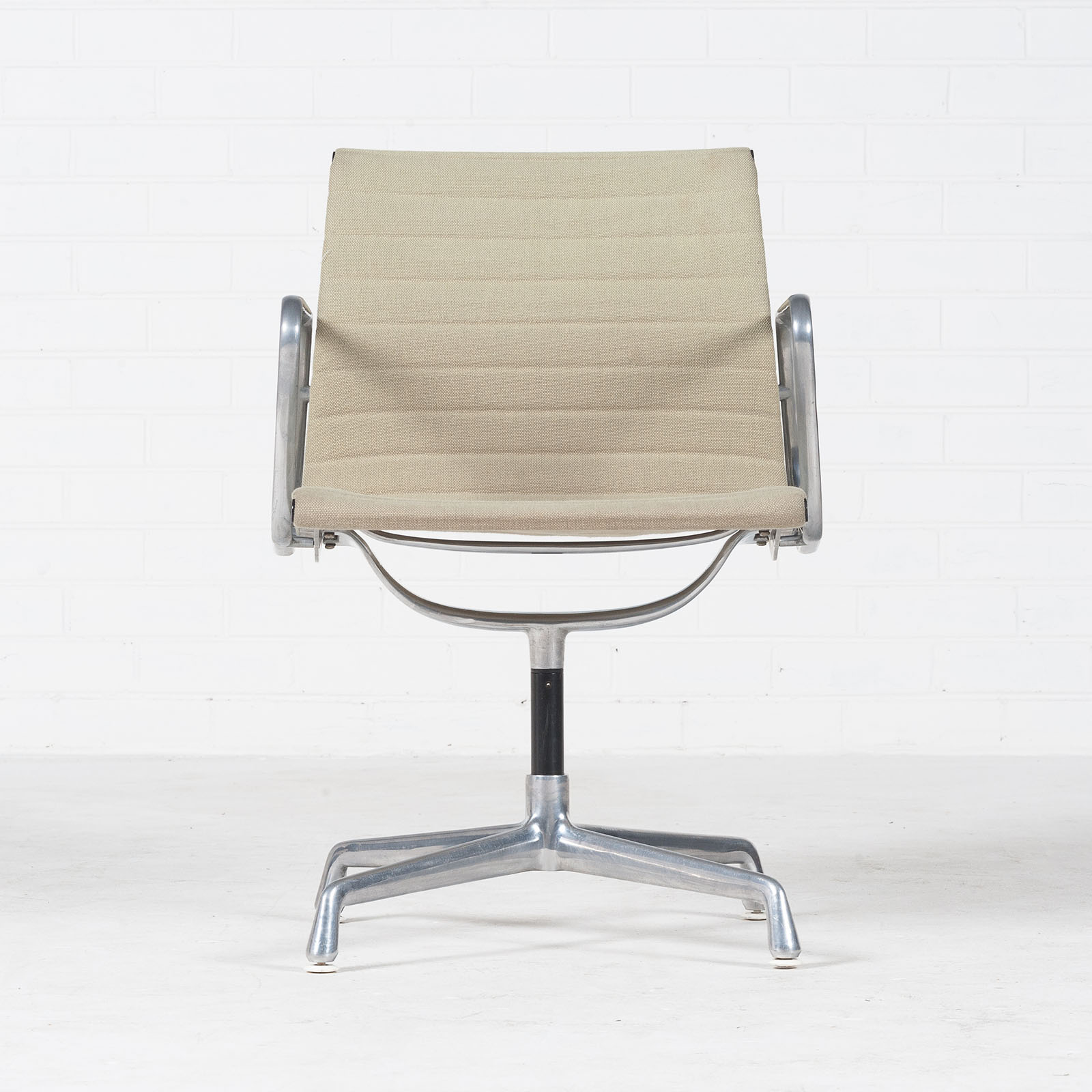 Eames Ea 108 Chair By Charles & Ray Eames For Vitra 1950s America 04
