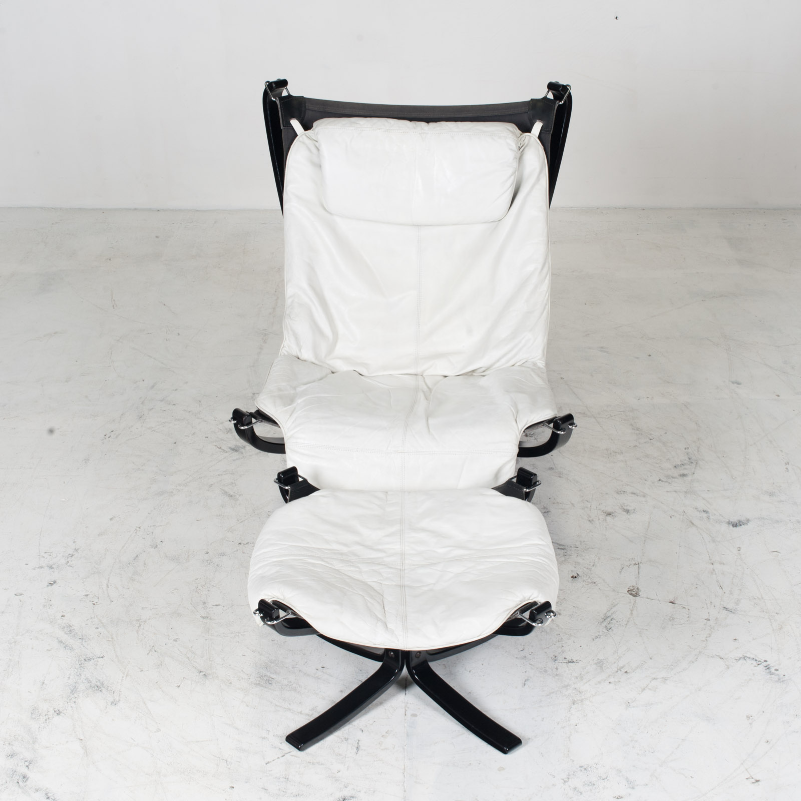 High Back Falcon Armchair By Sigurd Ressell For Vatne Mobler In Patinated White Leather With Footstool 1970s Norway 03