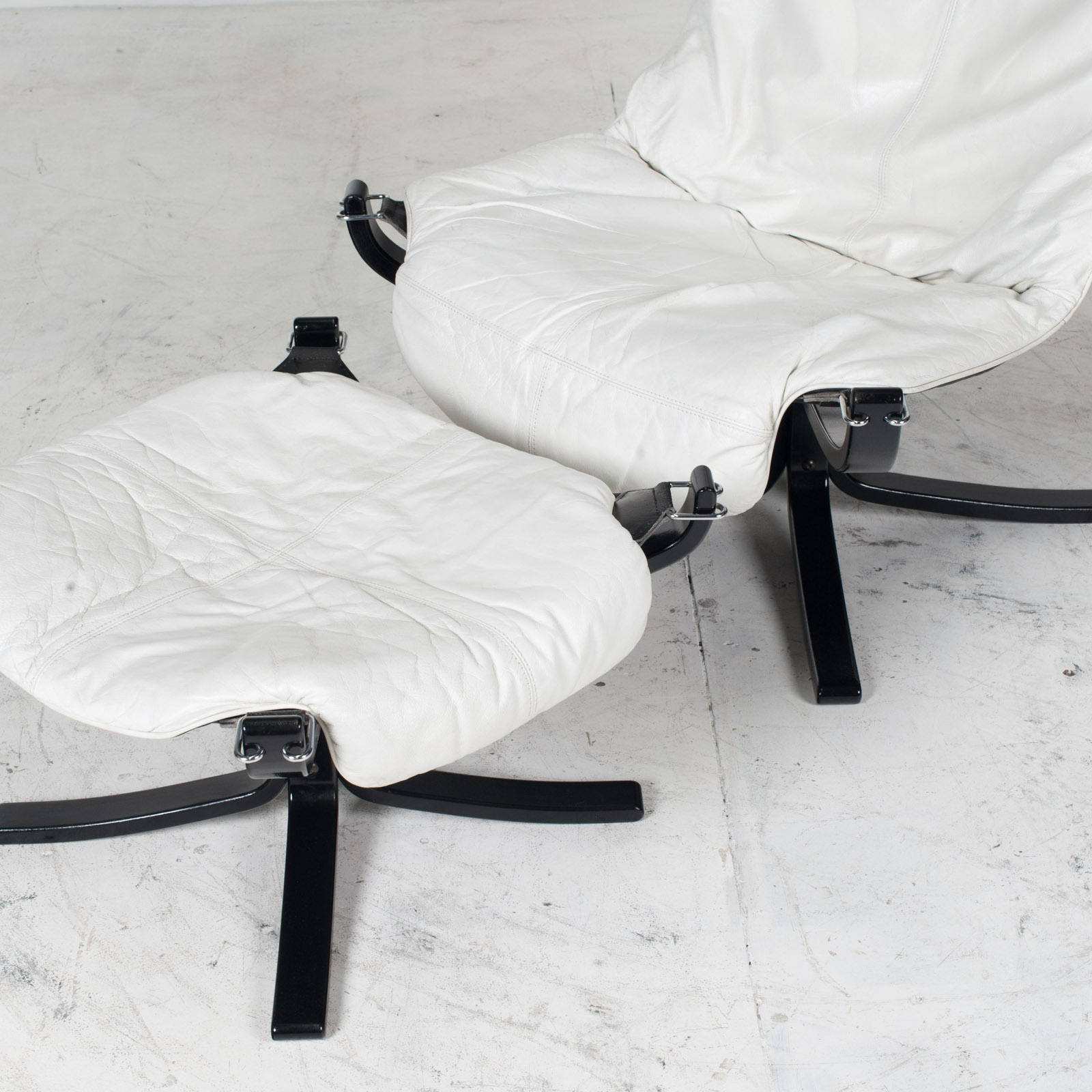 High Back Falcon Armchair By Sigurd Ressell For Vatne Mobler In Patinated White Leather With Footstool 1970s Norway 05