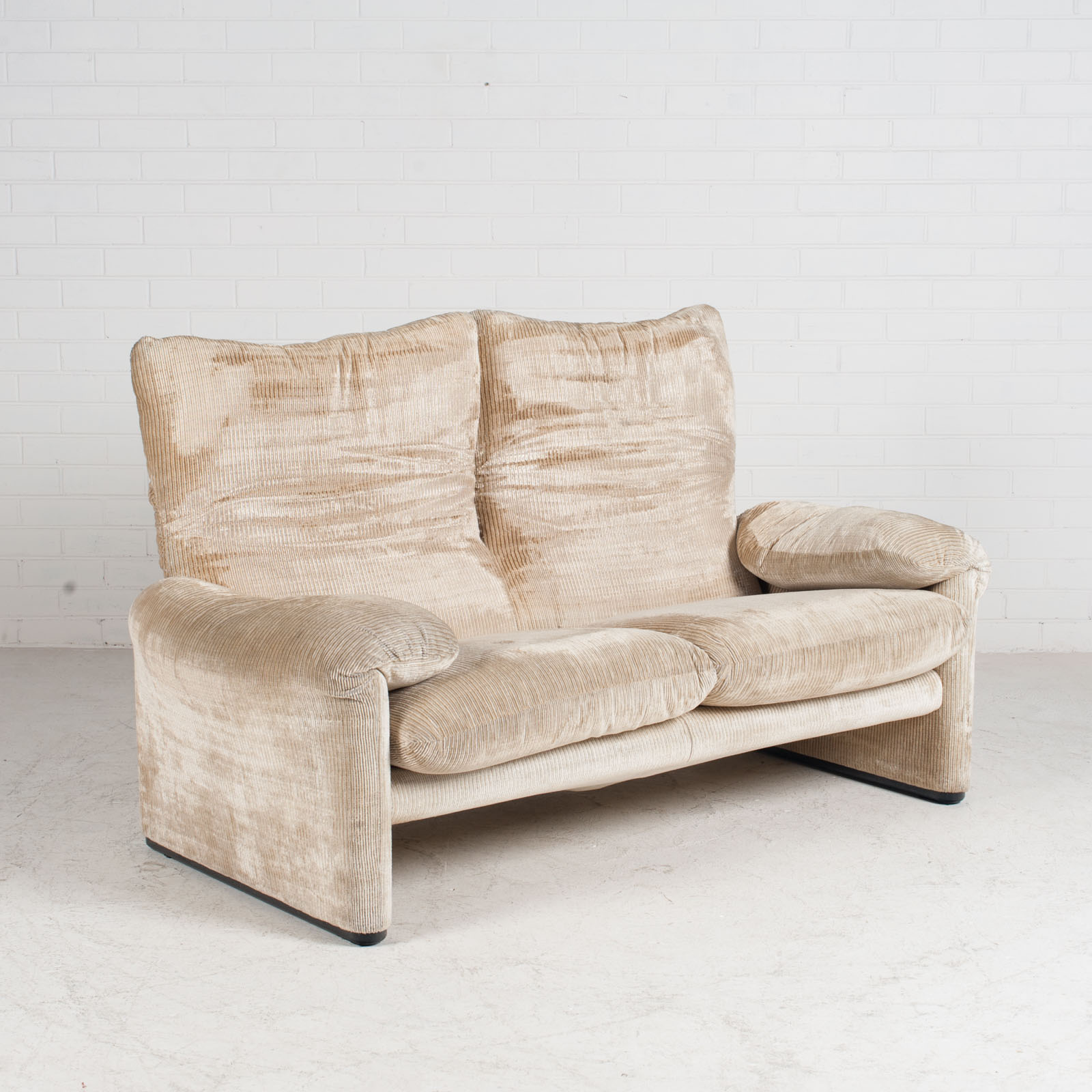 Maralunga 2 Seat Sofa By Vico Magistretti For Cassina In Original Upholstery 1970s Italy 03