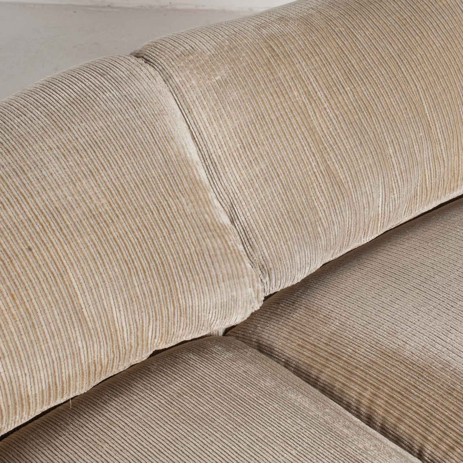 Maralunga 2 Seat Sofa By Vico Magistretti For Cassina In Original Upholstery 1970s Italy 08