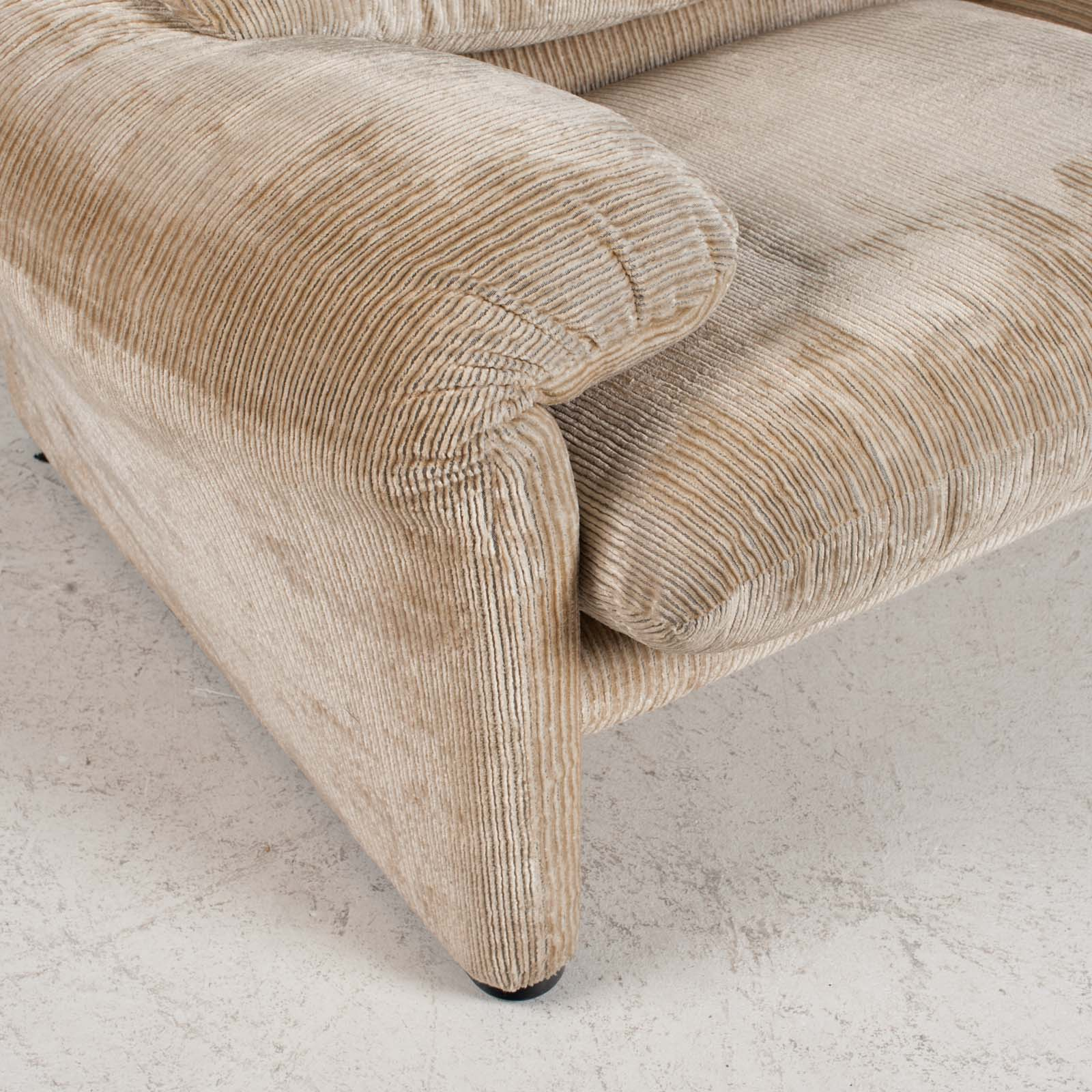 Maralunga 3 Seat Sofa By Vico Magistretti For Cassina In Original Upholstery 1970s Italy 011