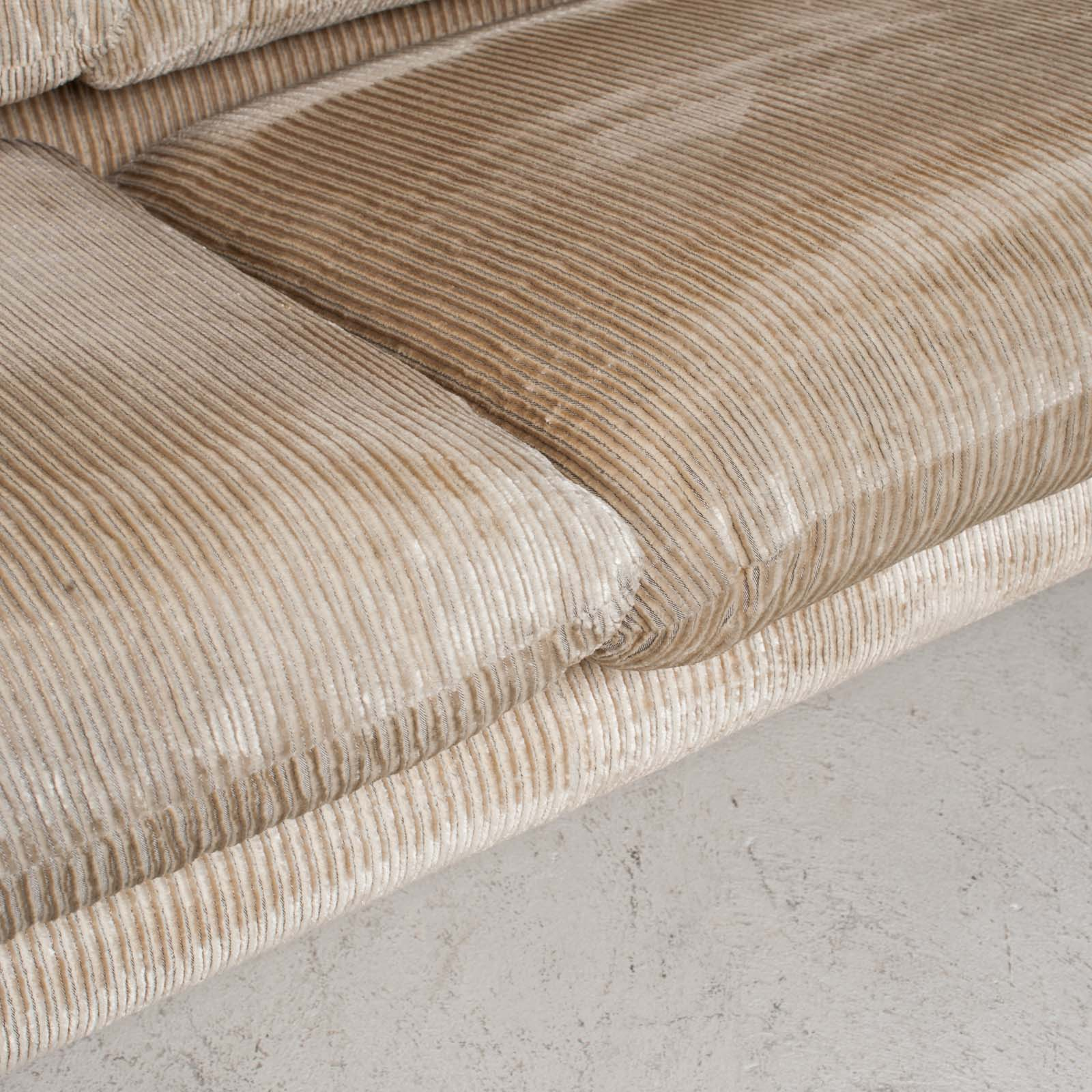 Maralunga 3 Seat Sofa By Vico Magistretti For Cassina In Original Upholstery 1970s Italy 019