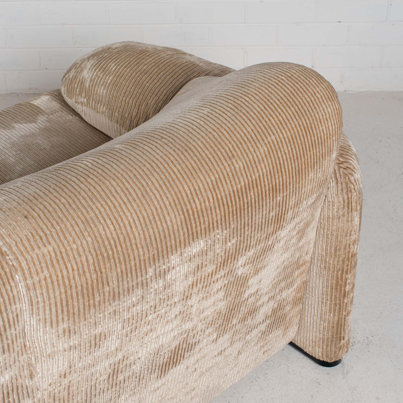 Maralunga 3 Seat Sofa By Vico Magistretti For Cassina In Original Upholstery 1970s Italy 024
