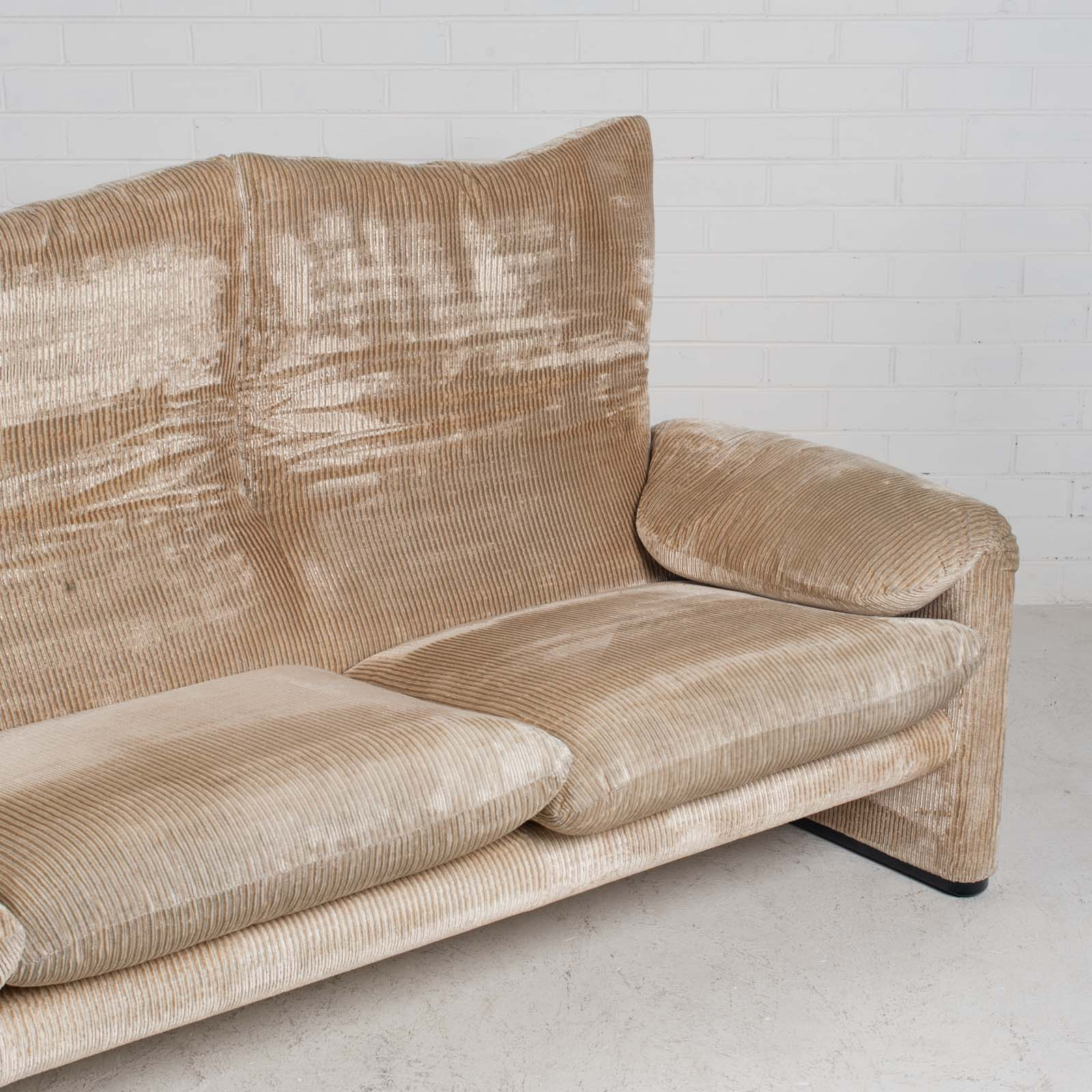 Maralunga 3 Seat Sofa By Vico Magistretti For Cassina In Original Upholstery 1970s Italy 05