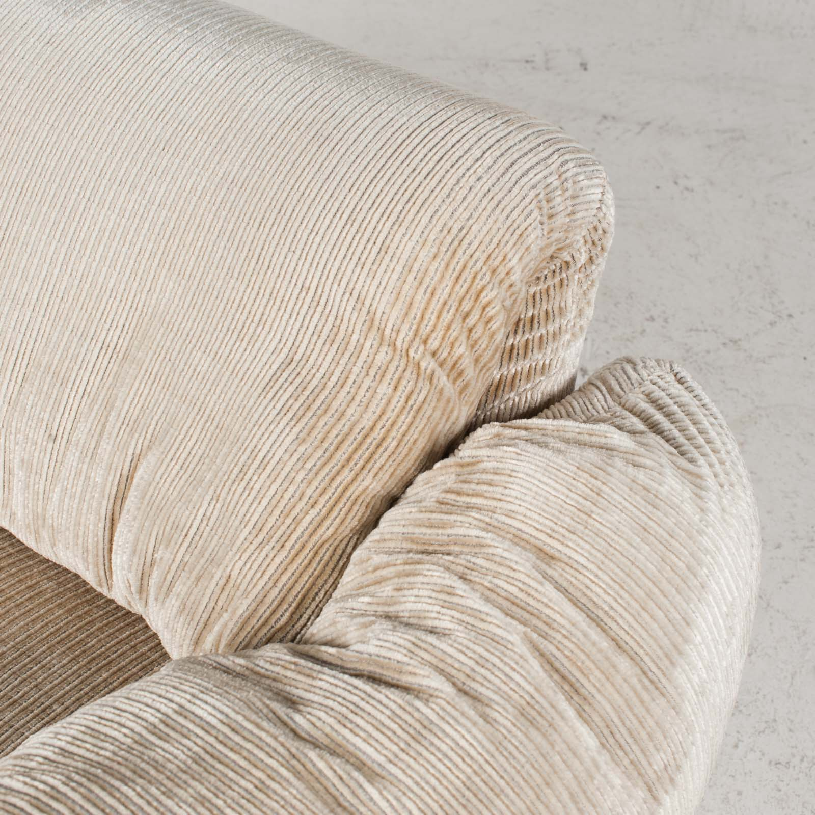 Maralunga Armchair By Vico Magistretti For Cassina In Original Upholstery 1970s Italy 04