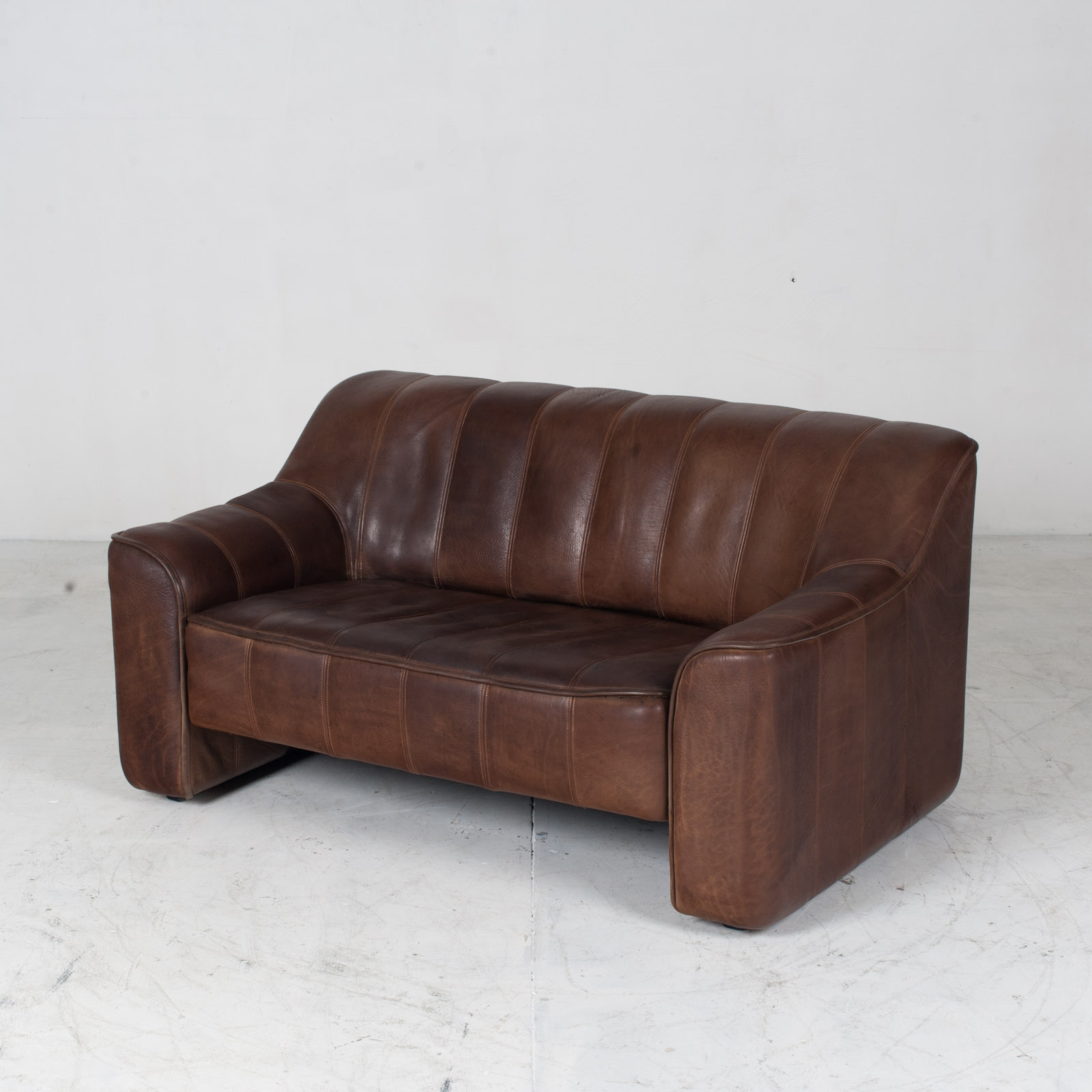 Model Ds 44 2 Seat Sofa In Buffalo Leather 1960s Switzerland 04