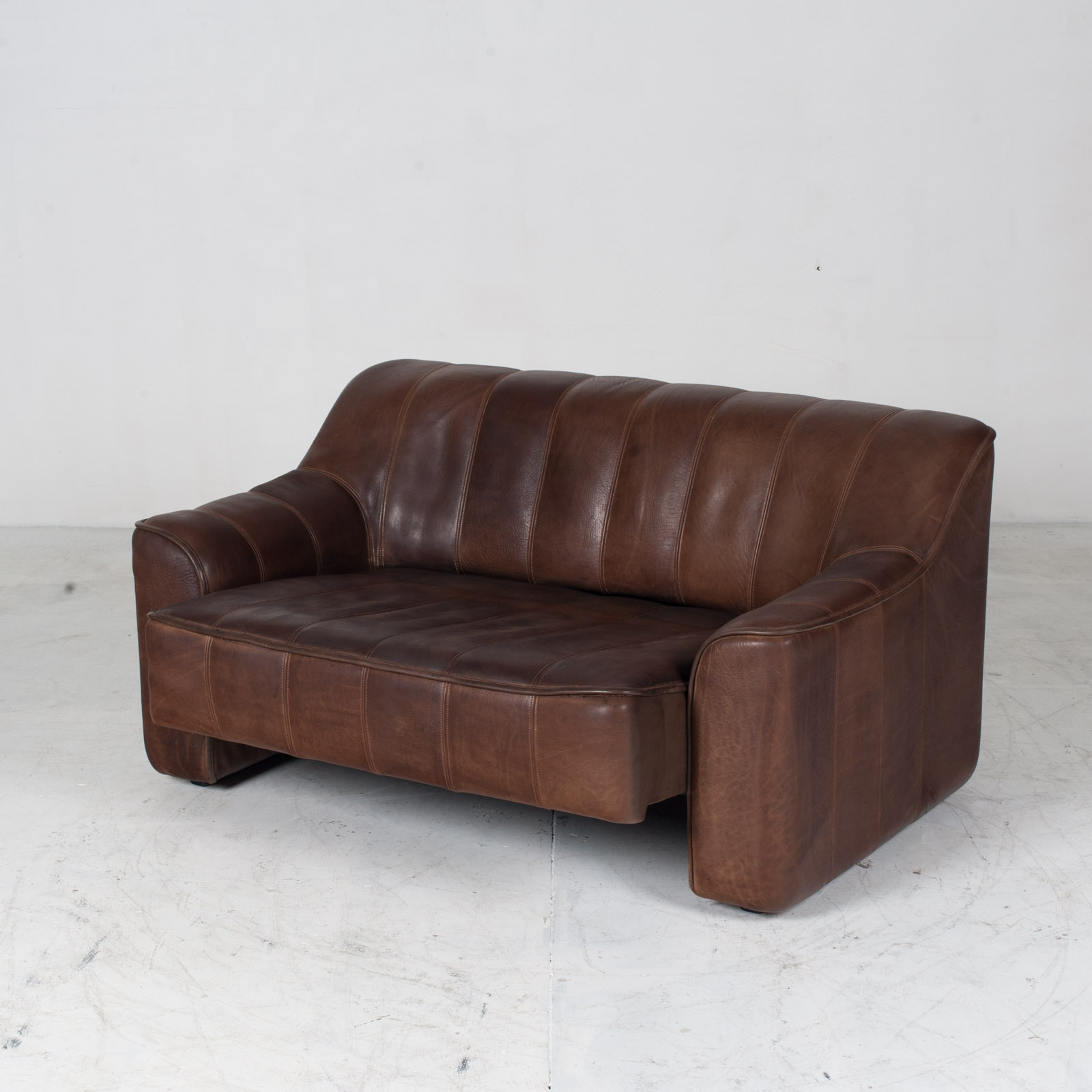 Model Ds 44 2 Seat Sofa In Buffalo Leather 1960s Switzerland 05