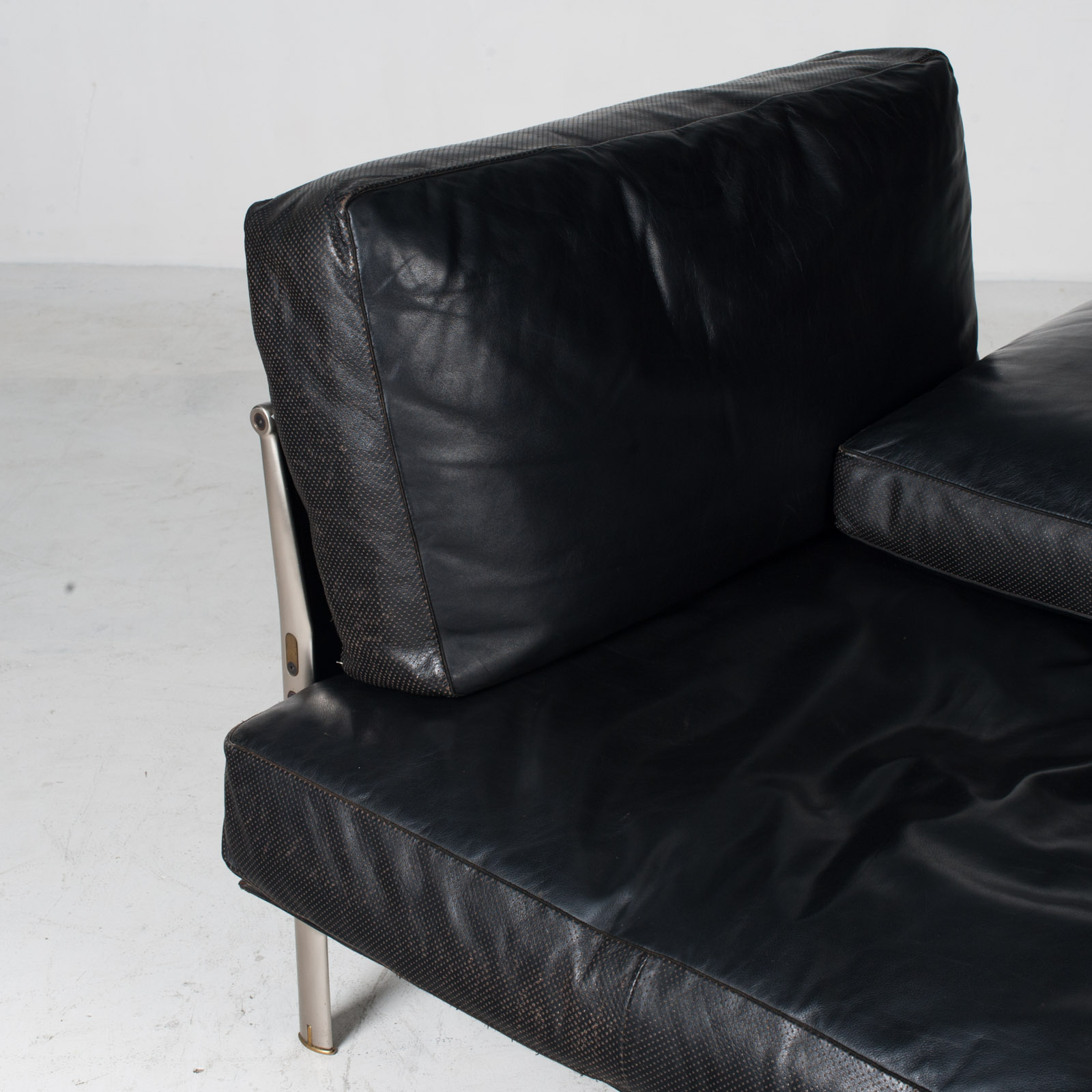 Model Diesis Chaise Lounge For B&b Italia By Antonio Citterio In Black Leather 1970s Italy 05