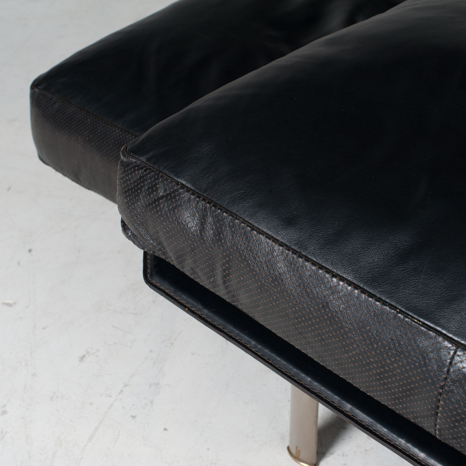Model Diesis Chaise Lounge For B&b Italia By Antonio Citterio In Black Leather 1970s Italy 20