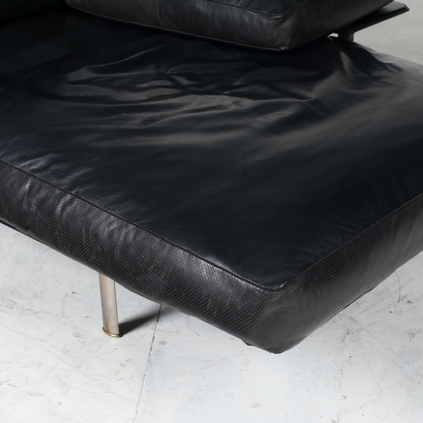 Model Diesis Chaise Lounge For B&b Italia By Antonio Citterio In Black Leather 1970s Italy 23