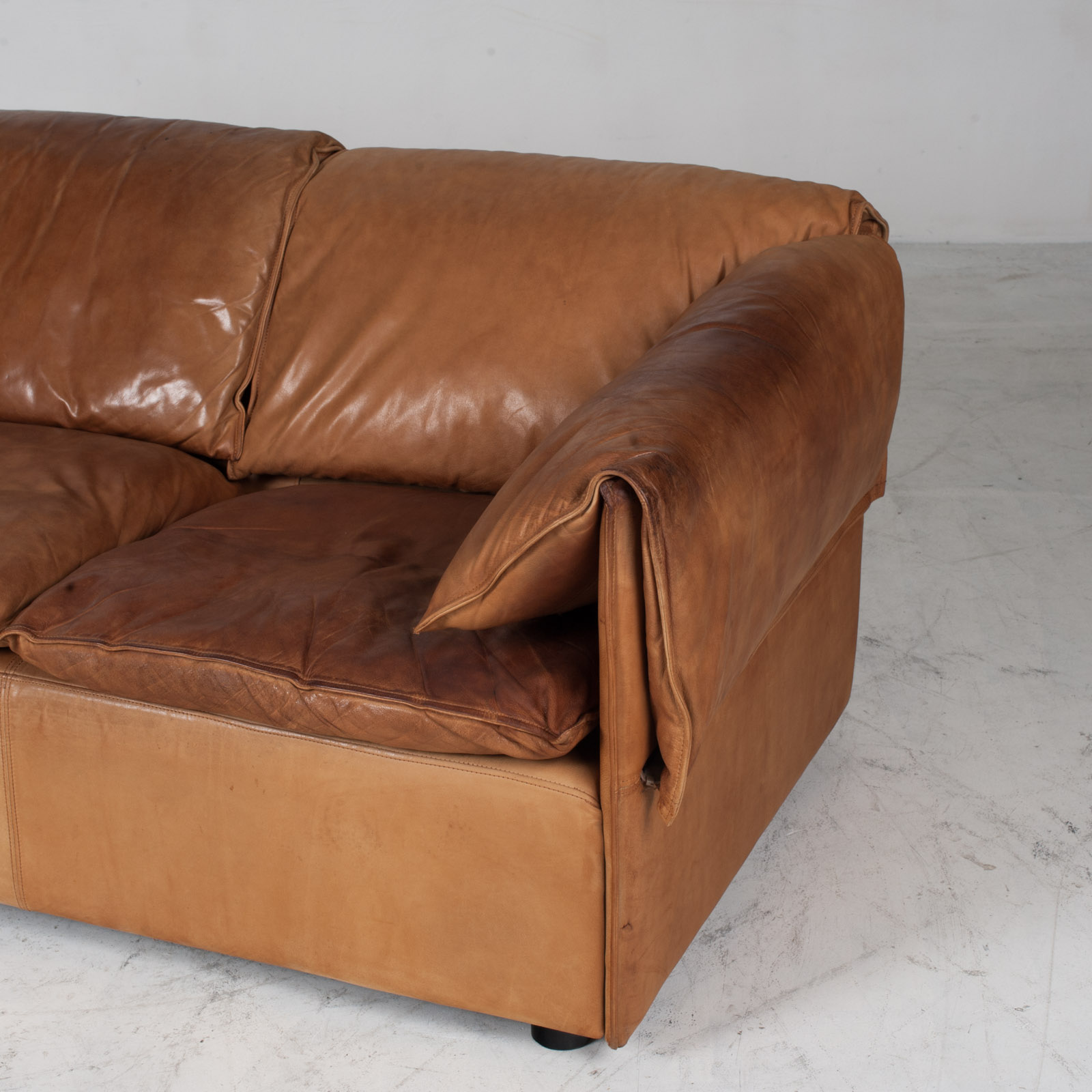 Model Lotus 3 Seat Sofa By Eilersen In Tan Leather 1970s Denmark 06