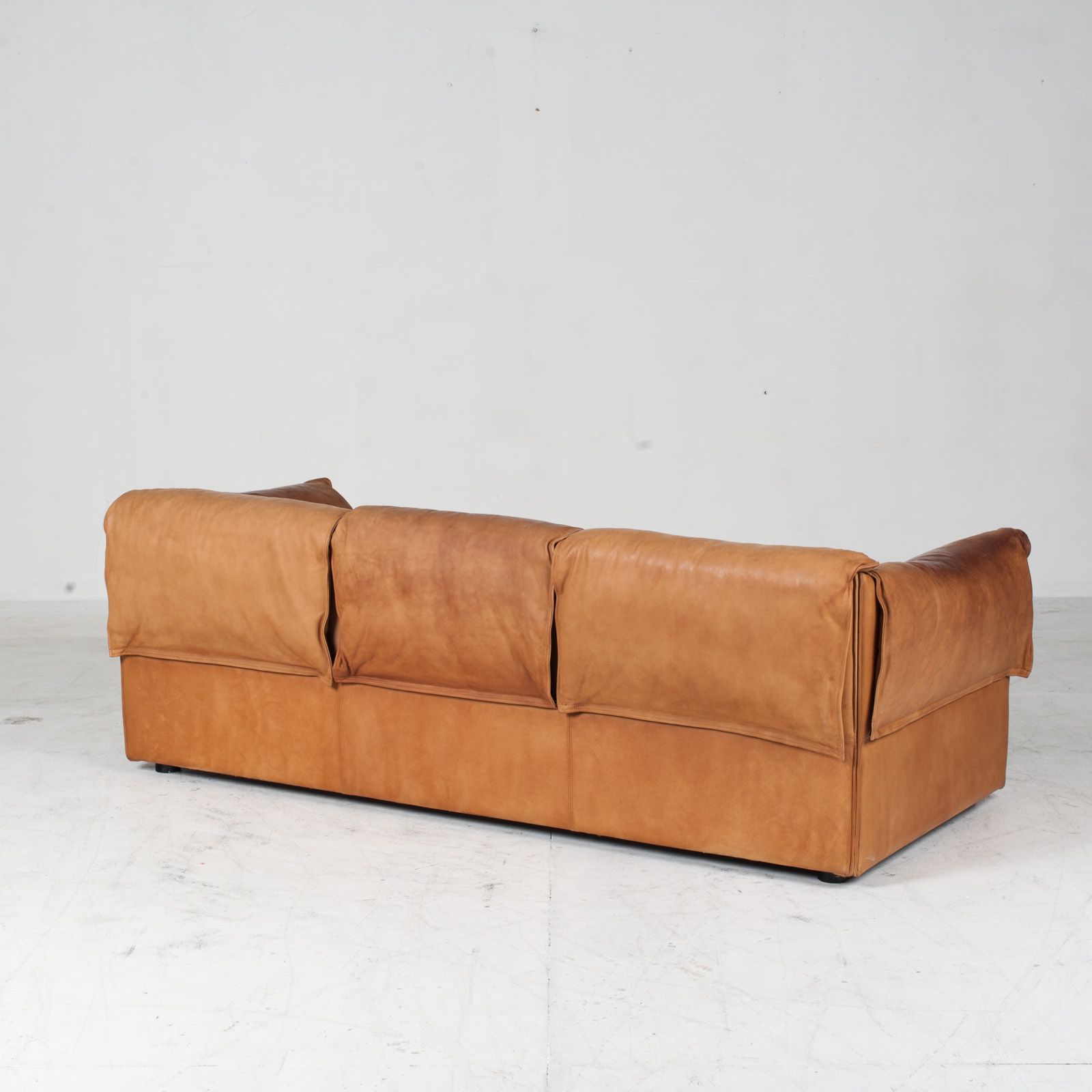 Model Lotus 3 Seat Sofa By Eilersen In Tan Leather 1970s Denmark 07