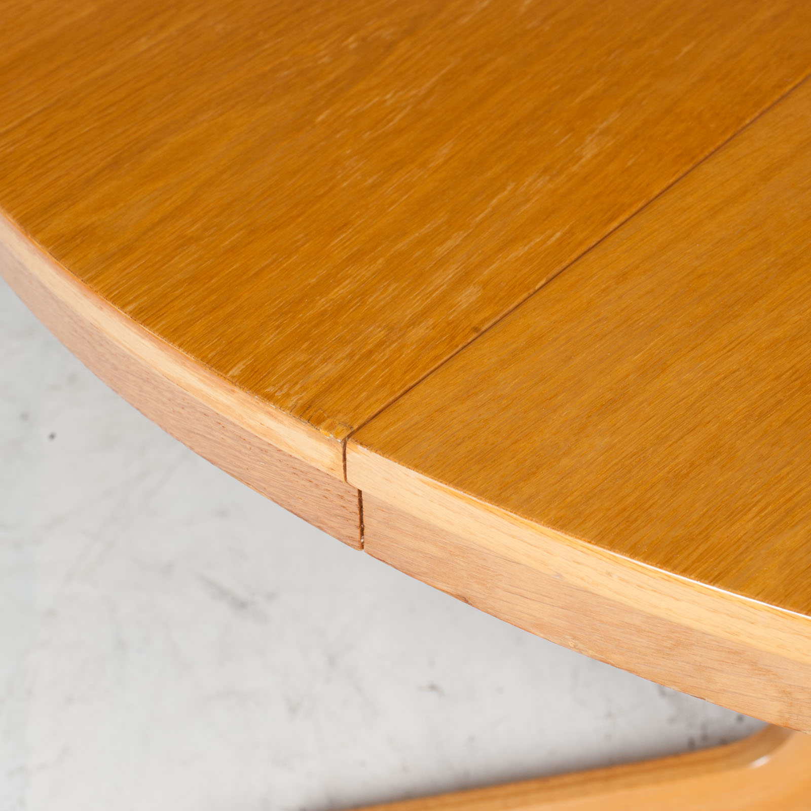 Round Dining Table In Oak With Pedestal Base And 2 Extentions 1960s Denmark 05