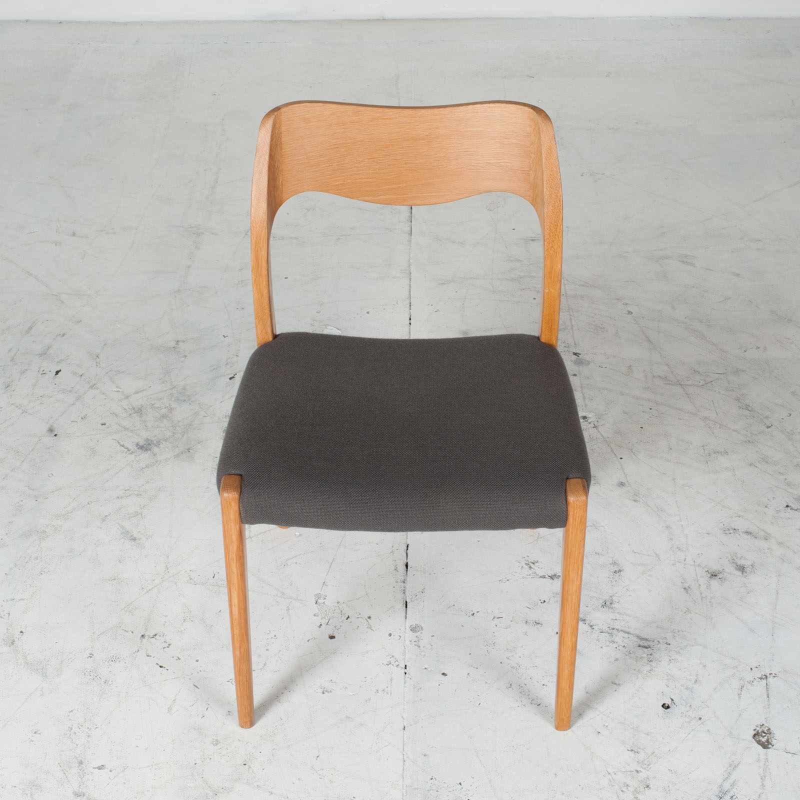 Set 4 Model 71 Dining Chairs By Niels Moller In Oak With Original Wool Upholstery 1960s Denmark 05