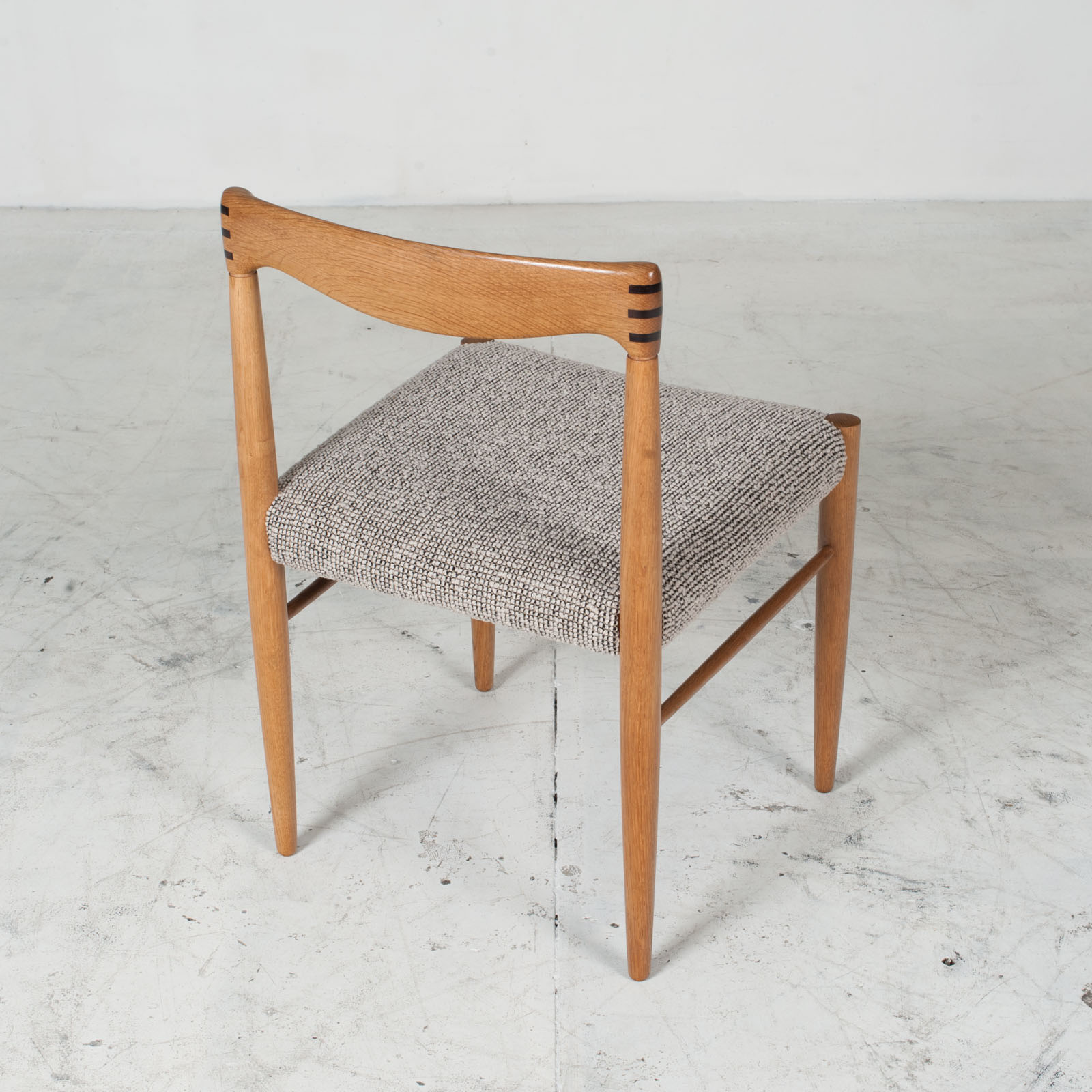 Set 6 Dining Chairs By H.w.klein In Oak And Textured Grey Wool 1960s Denmark 010