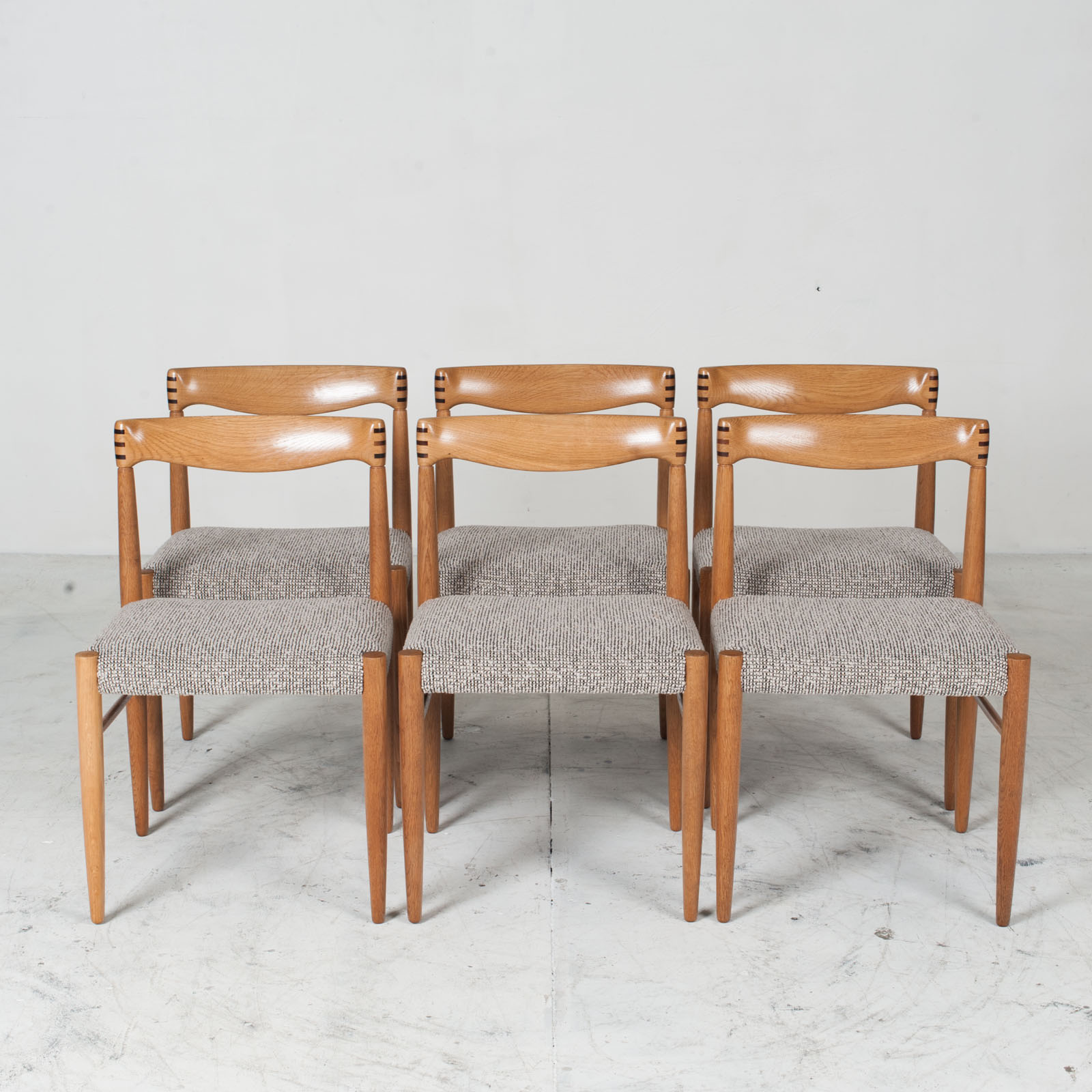 Set 6 Dining Chairs By H.w.klein In Oak And Textured Grey Wool 1960s Denmark 012
