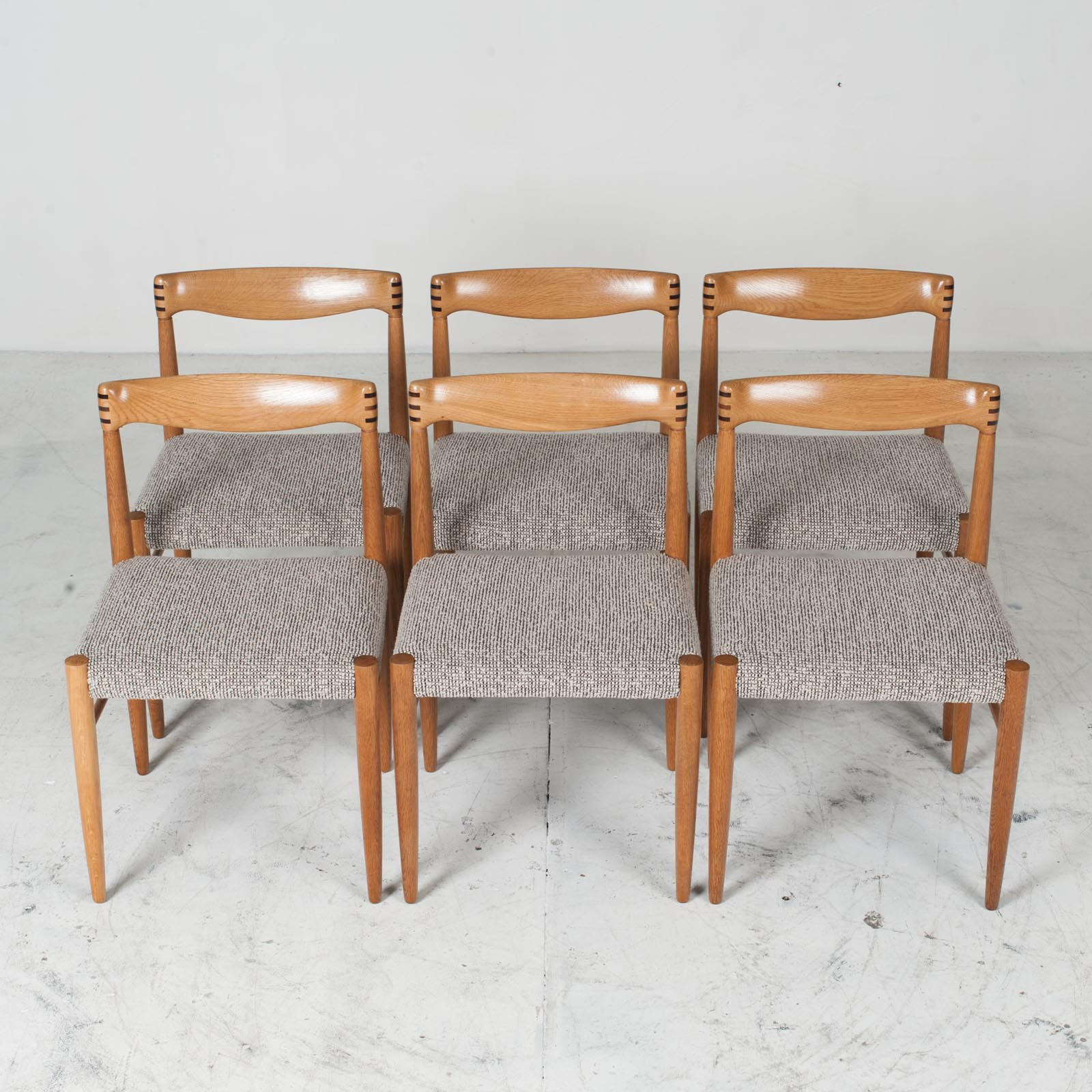 Set 6 Dining Chairs By H.w.klein In Oak And Textured Grey Wool 1960s Denmark 013
