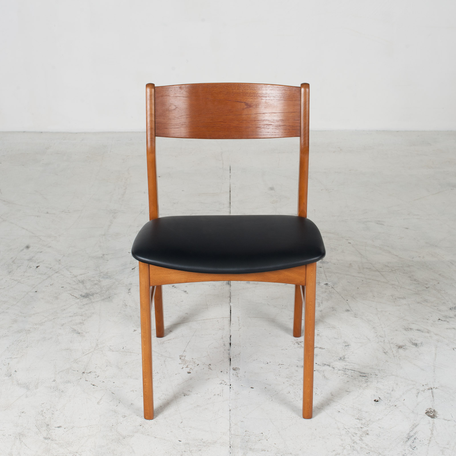 Set 6 Dining Chairs In The Style Of Erik Buch In Teak 1960s Denmark 02