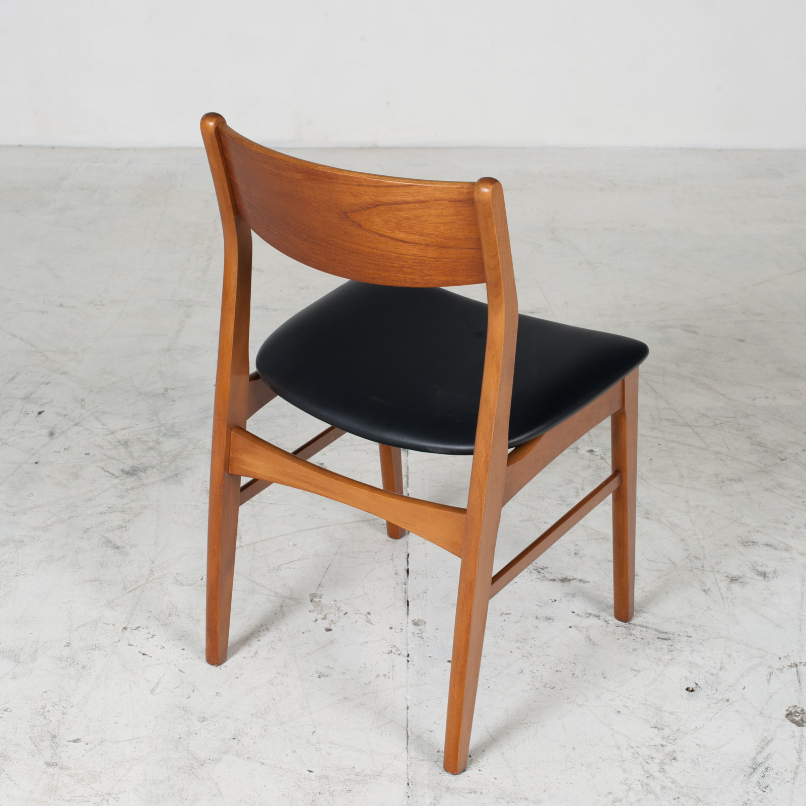 Set 6 Dining Chairs In The Style Of Erik Buch In Teak 1960s Denmark 08