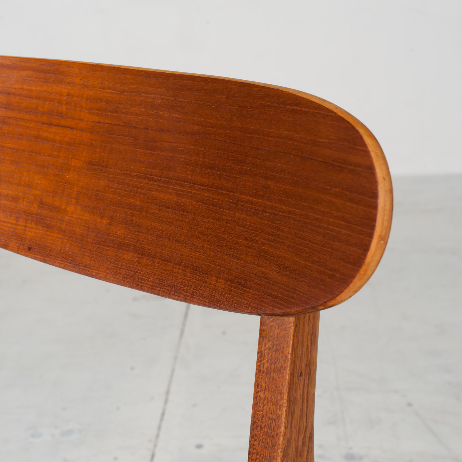 Set Of 4 Round Back Dining Chairs In Teak 1960s Denmark10