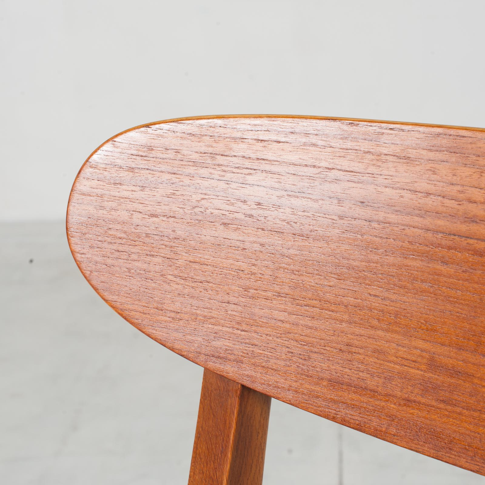 Set Of 4 Round Back Dining Chairs In Teak 1960s Denmark8