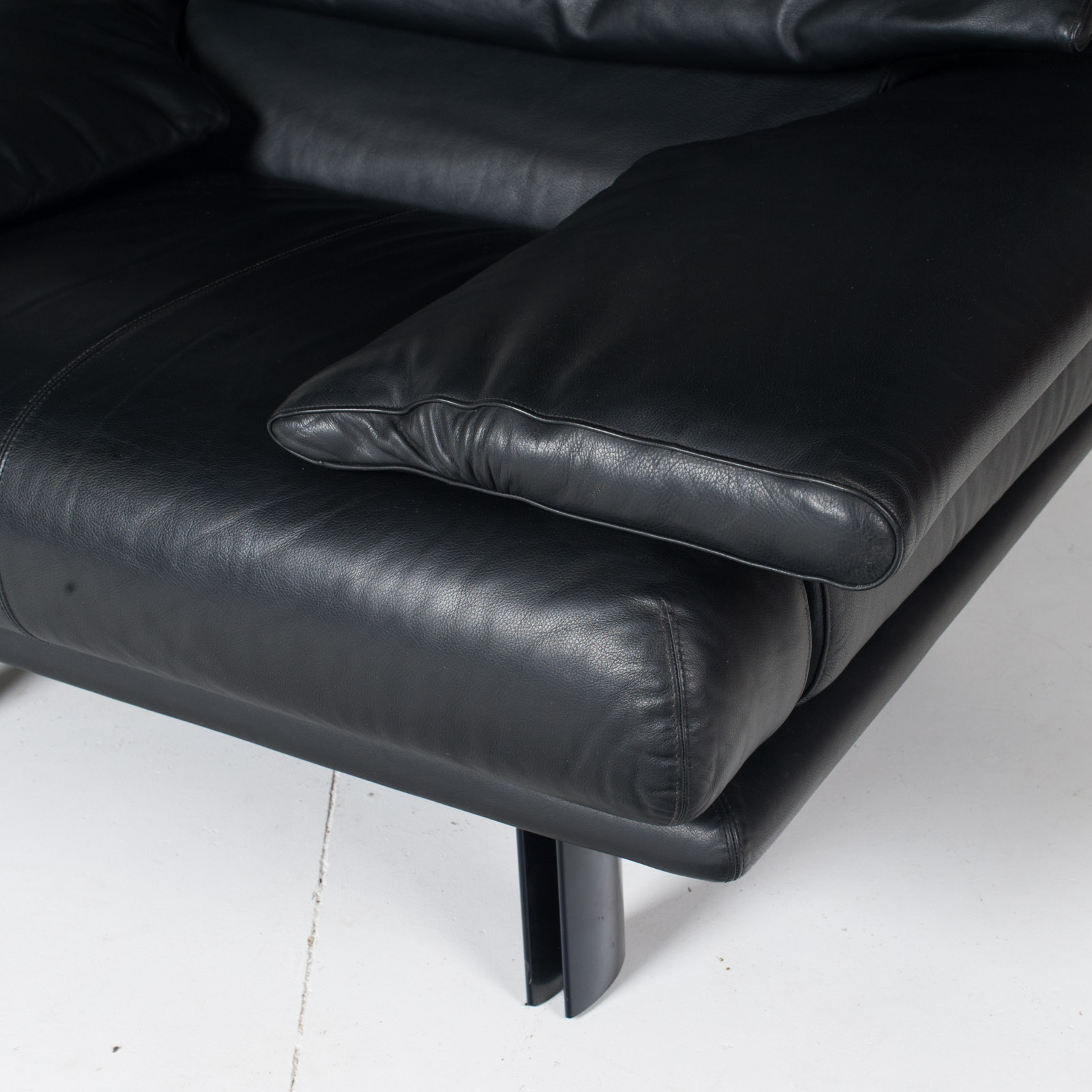 Alanda Armchair By Paolo Piva For B&b Italia In Black Leather, 1980s, Italy 10