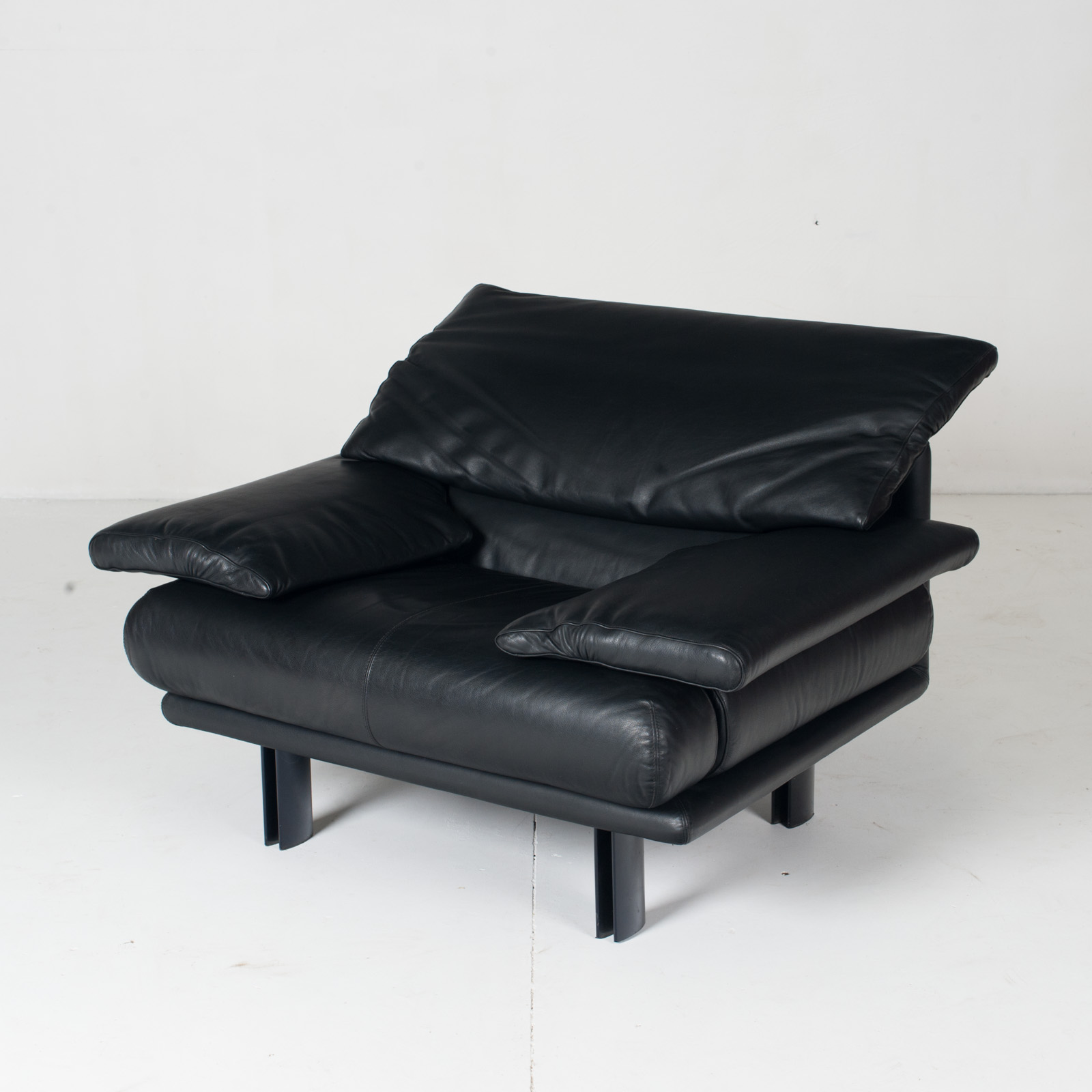 Alanda Armchair By Paolo Piva For B&b Italia In Black Leather, 1980s, Italy 5