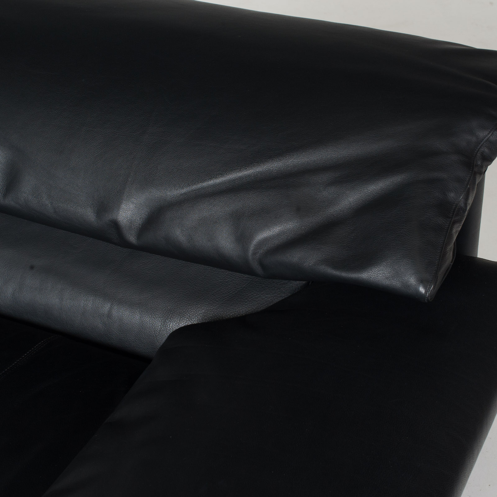 Alanda Armchair By Paolo Piva For B&b Italia In Black Leather, 1980s, Italy 9