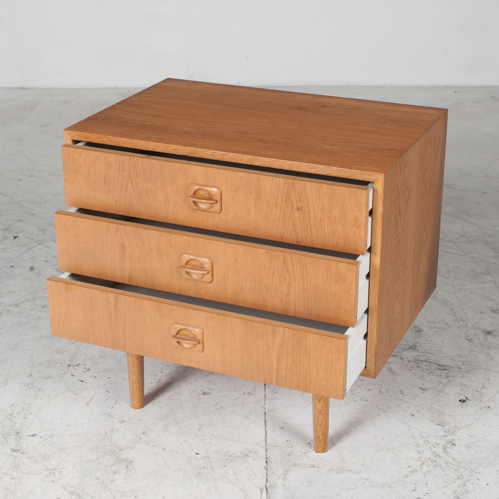 Small Chest Of Drawers In Oak 5