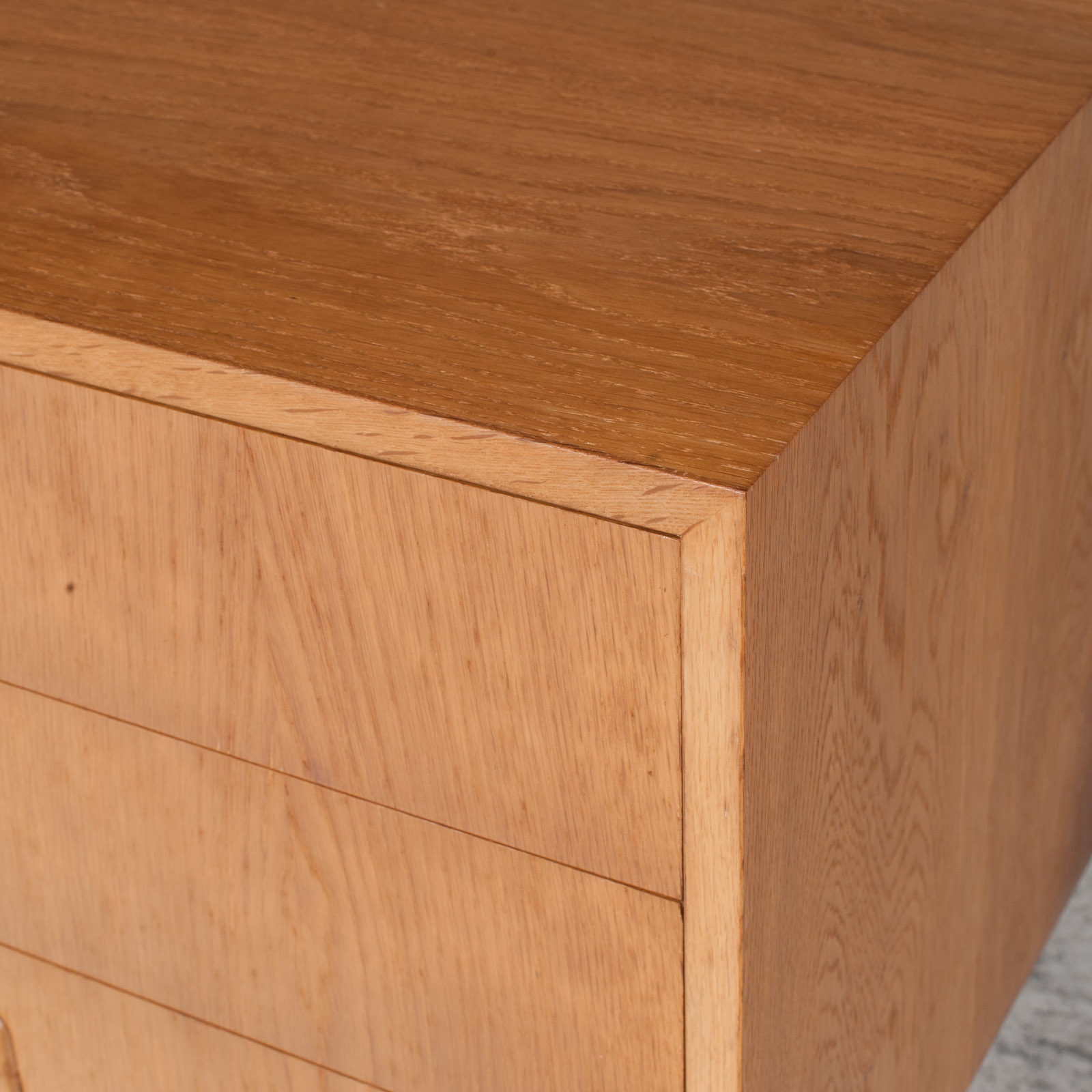 Small Chest Of Drawers In Oak 8