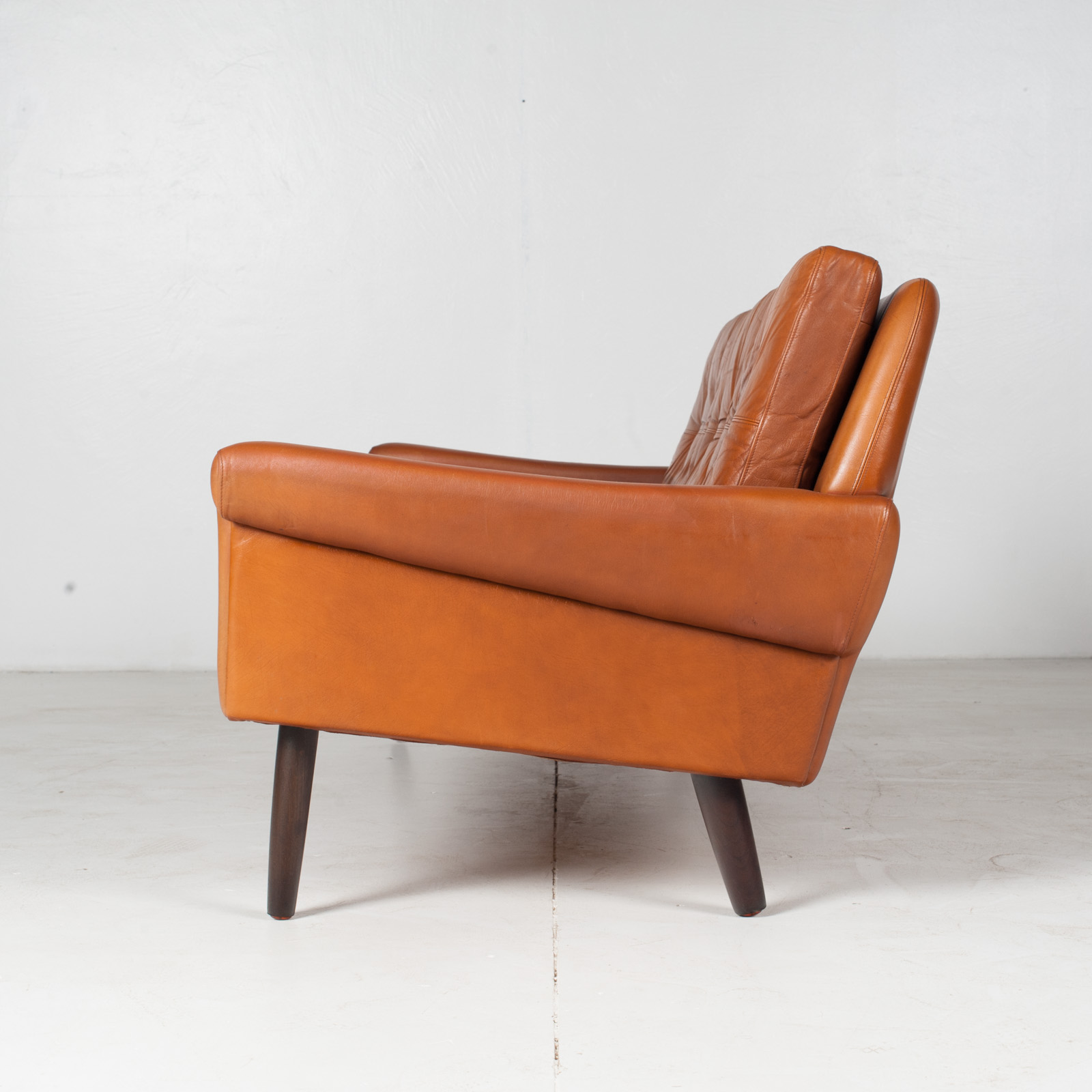 3 Seat Sofa In Tan Leather With Button Detailing For Skipper, 1960s, Denmark7