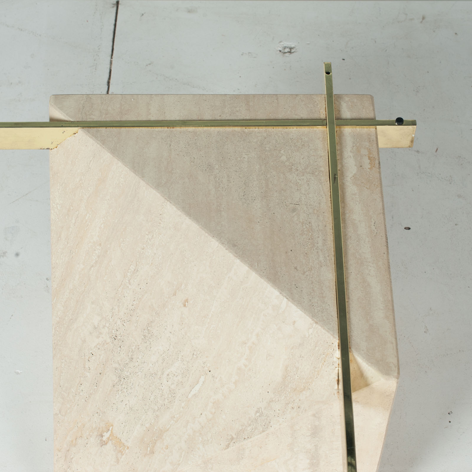 Coffee Table By Artedi In Travertine, Cantilevered Glass And Brass, 1970s, Italy4