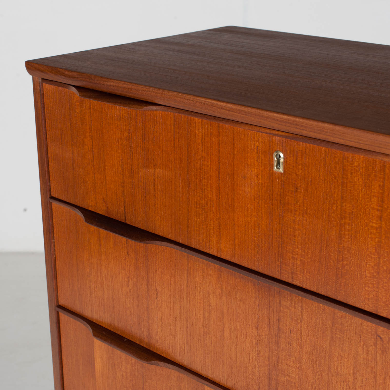 Deep Chest In Teak With Six Drawers And Lipped Handles, 1960s, Denmark7