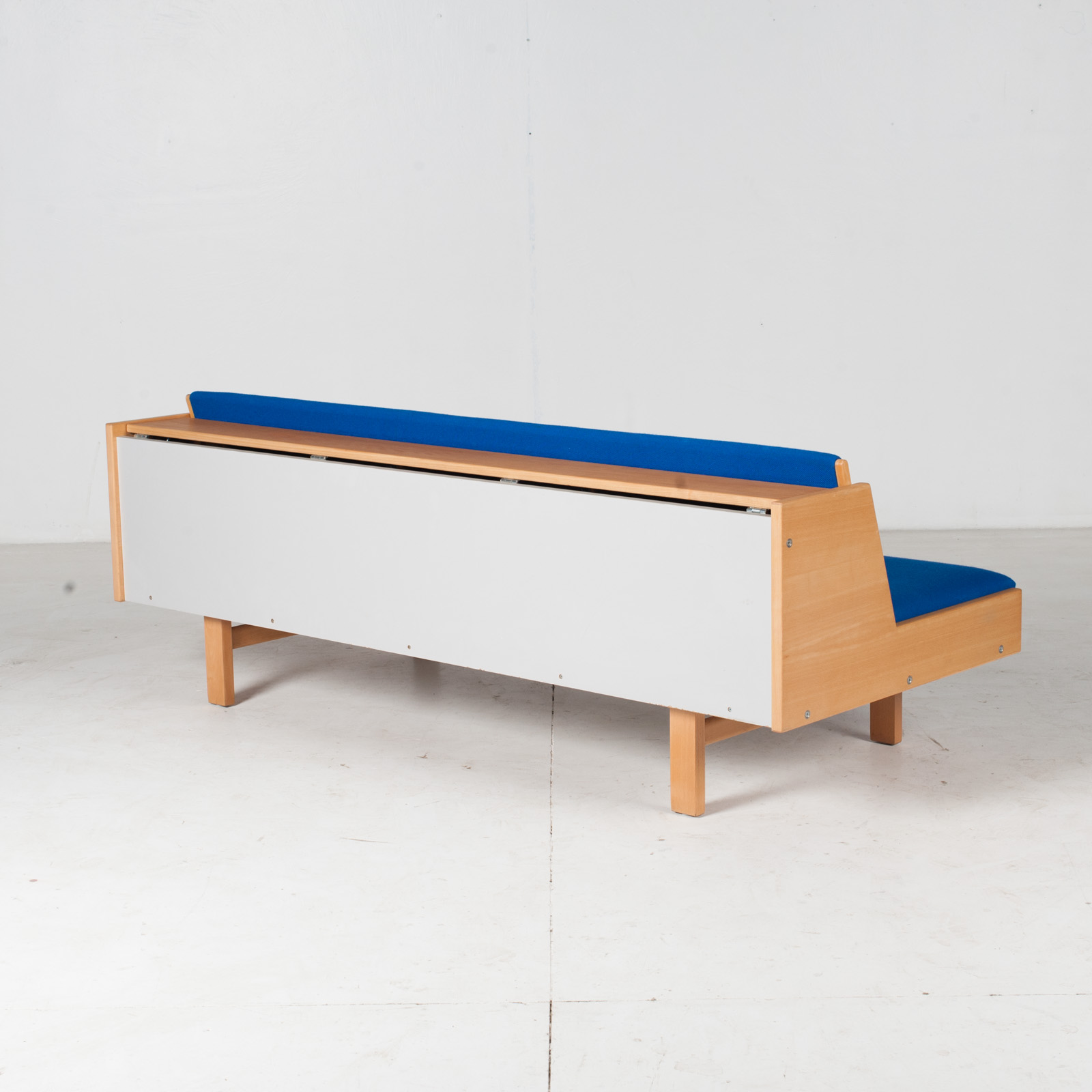Ge 258 Daybed By Hans J. Wegner In Beech With Original Blue Upholstery For Getama, 1960s, Denmark12