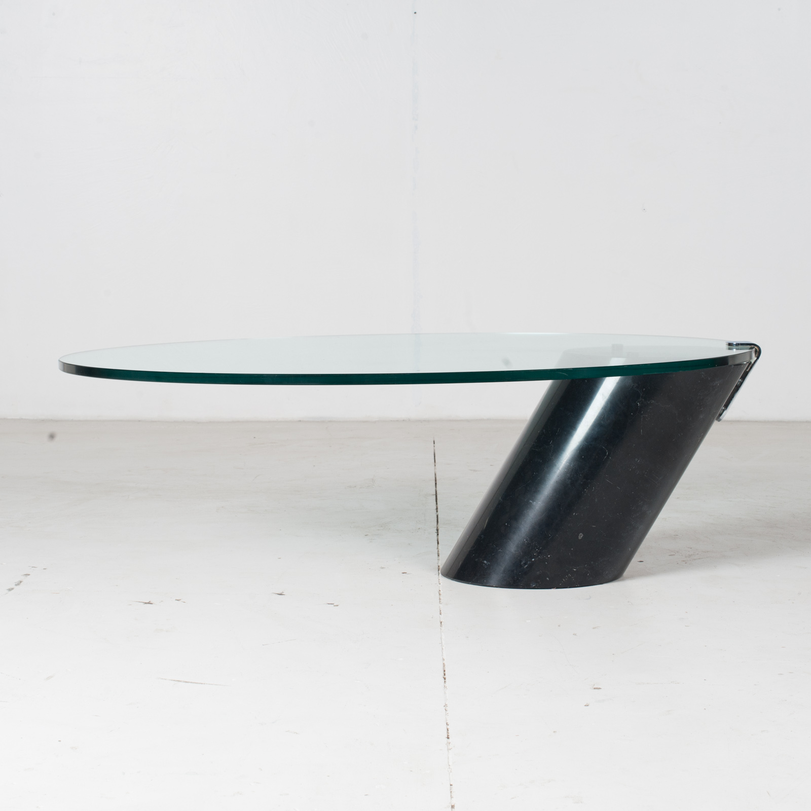 K1000 Oval Coffee Table By Ronald Schmitt In Glass And Black Marble, 1974, Switzerland1