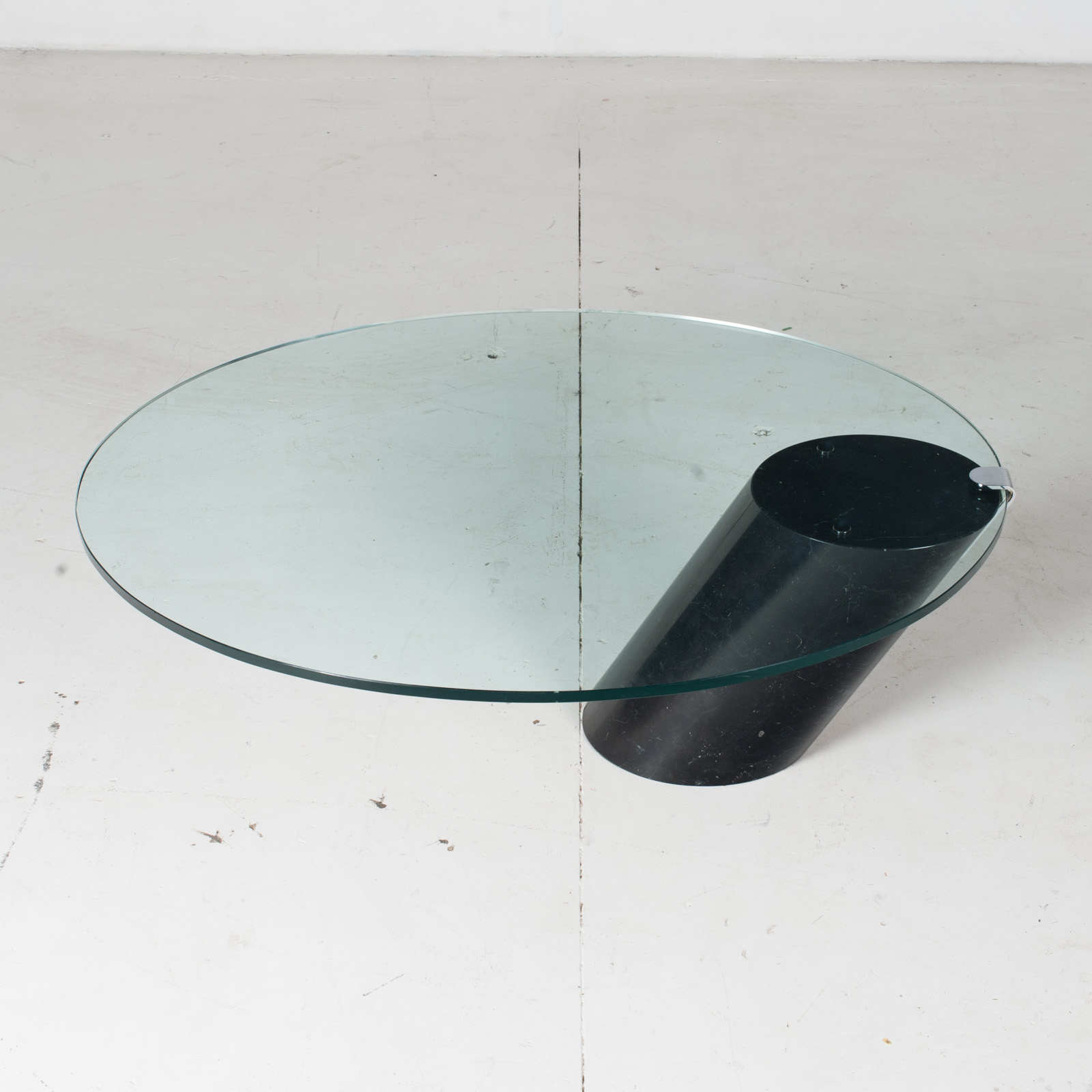 K1000 Oval Coffee Table By Ronald Schmitt In Glass And Black Marble, 1974, Switzerland3