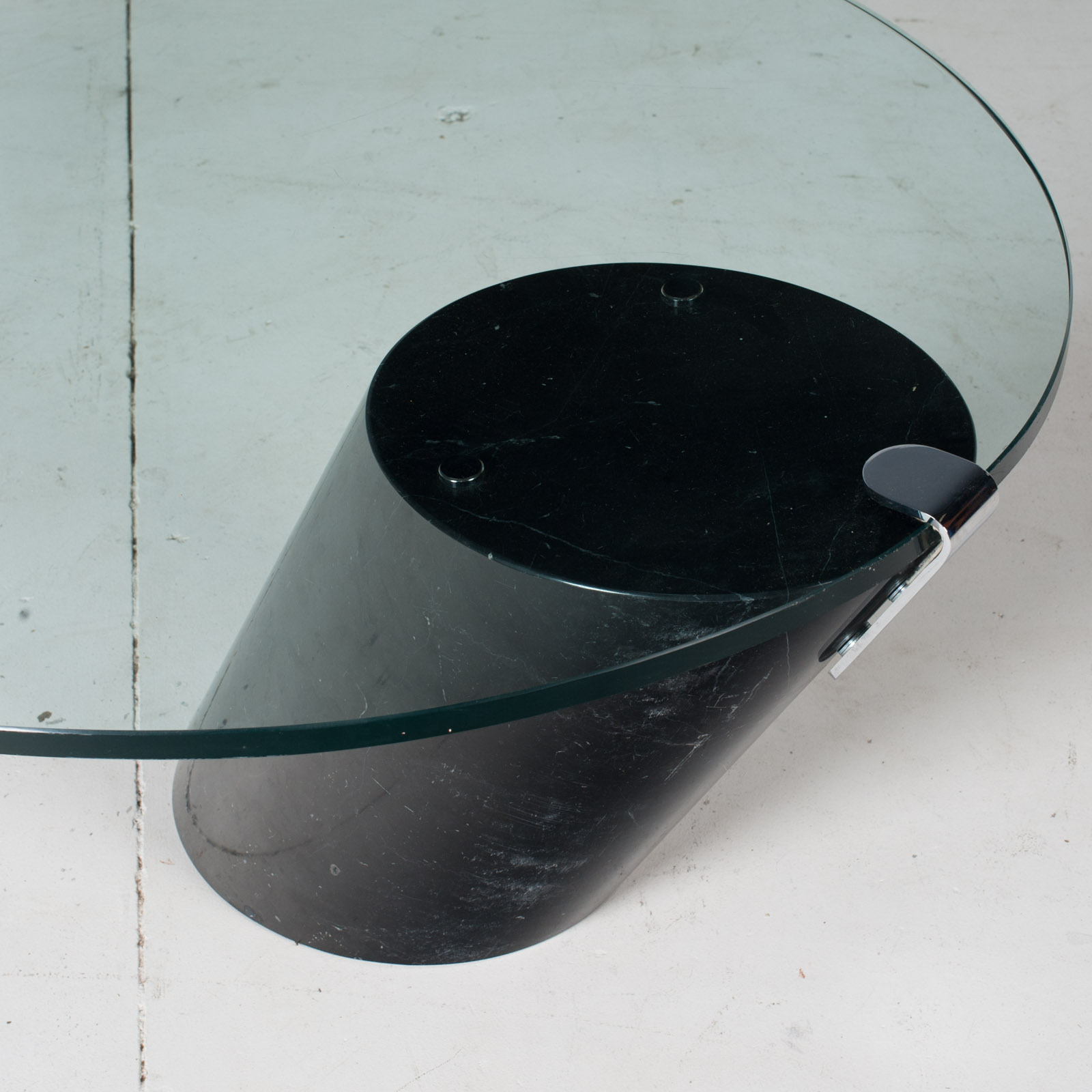 K1000 Oval Coffee Table By Ronald Schmitt In Glass And Black Marble, 1974, Switzerland5